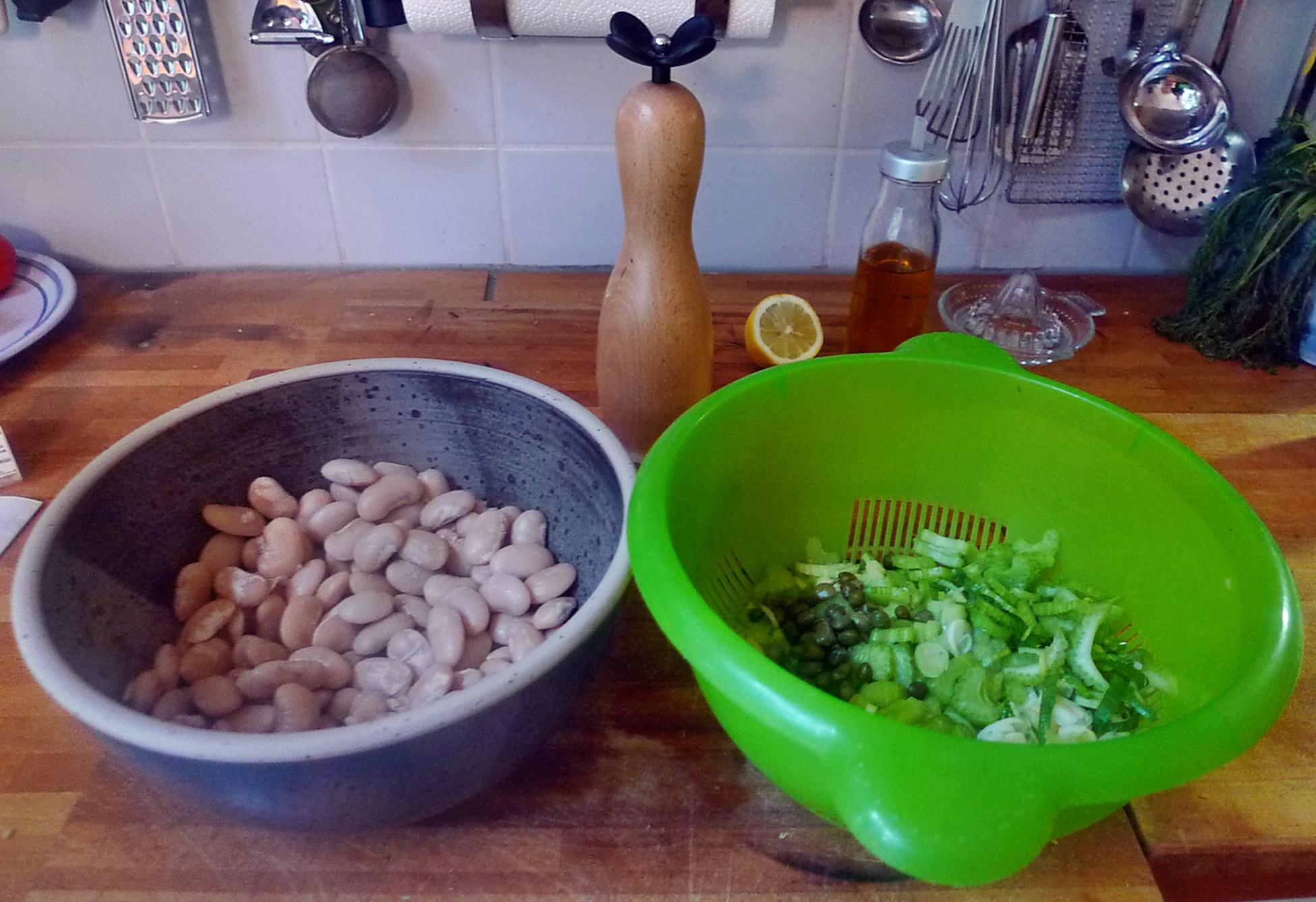 Zutaten für den Bohnen salat, es fehlt noch der Thunfisch
