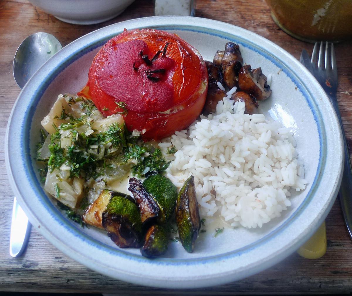 Gefüllte Tomaten,Gurkengemüse,Champignon,Zucchini,Reis-24.7.14   (1)