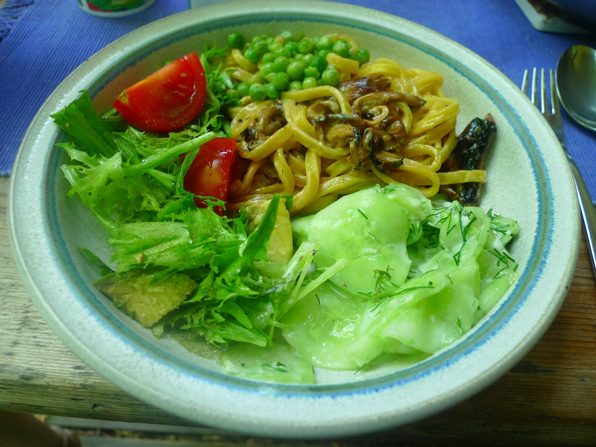 Nudeln-Austernpilze-Erbsen-Salate-3.7.2014 (9)