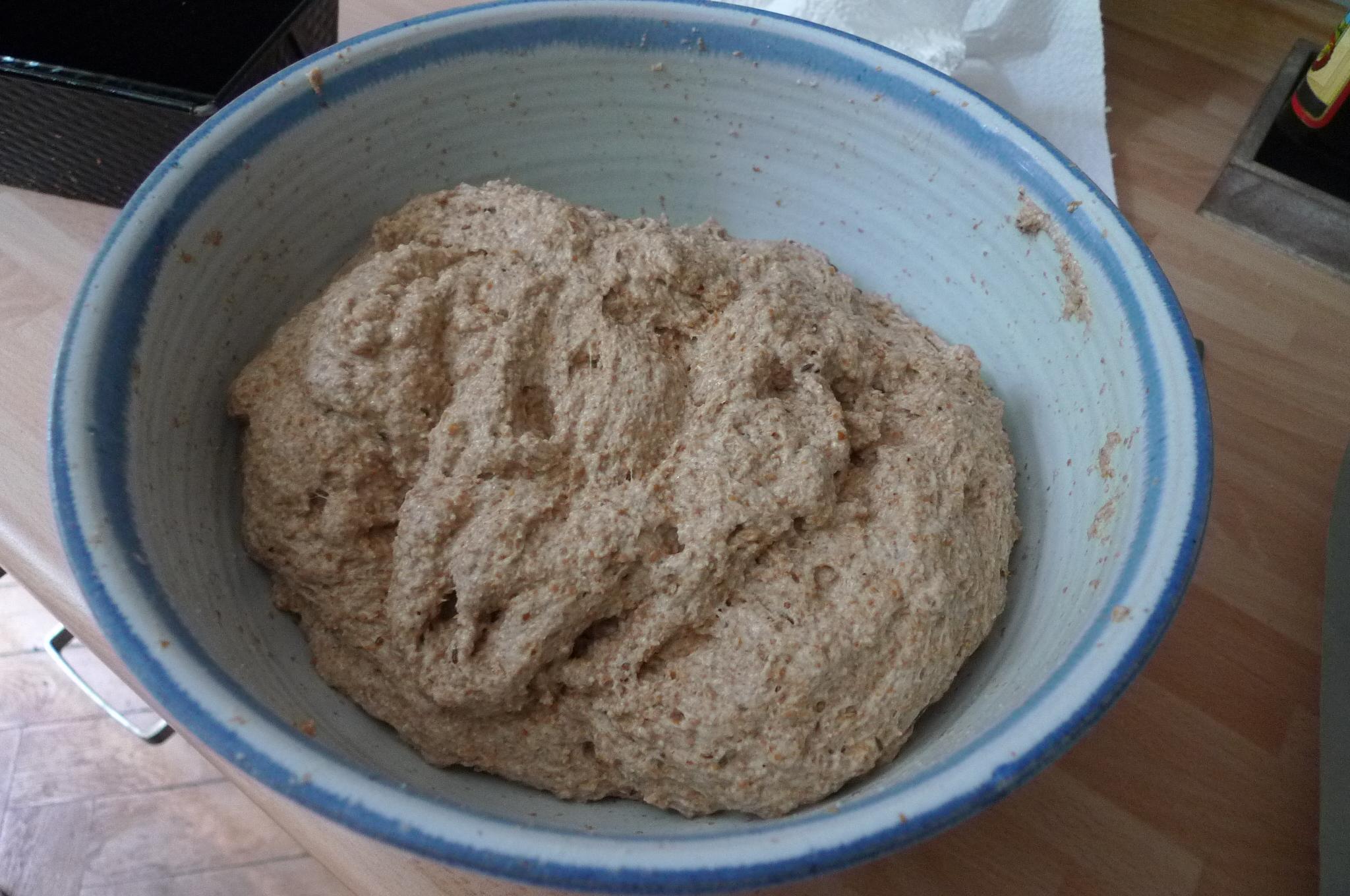 Weizenvollkornbrot mit Sauerteig-28.7.14   (2)