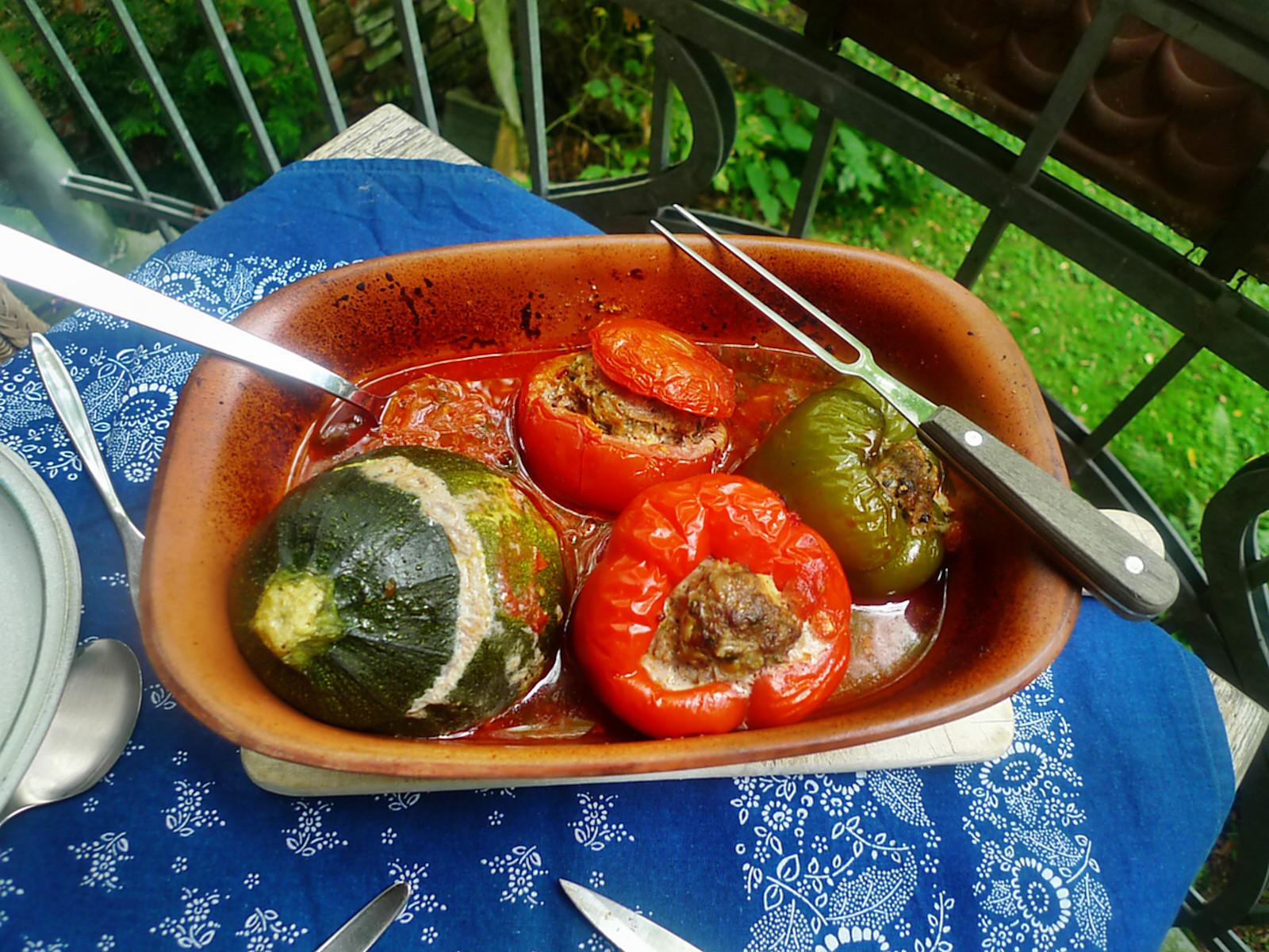 gefüllte Zucchini und Paprika-7.8.14  (17)