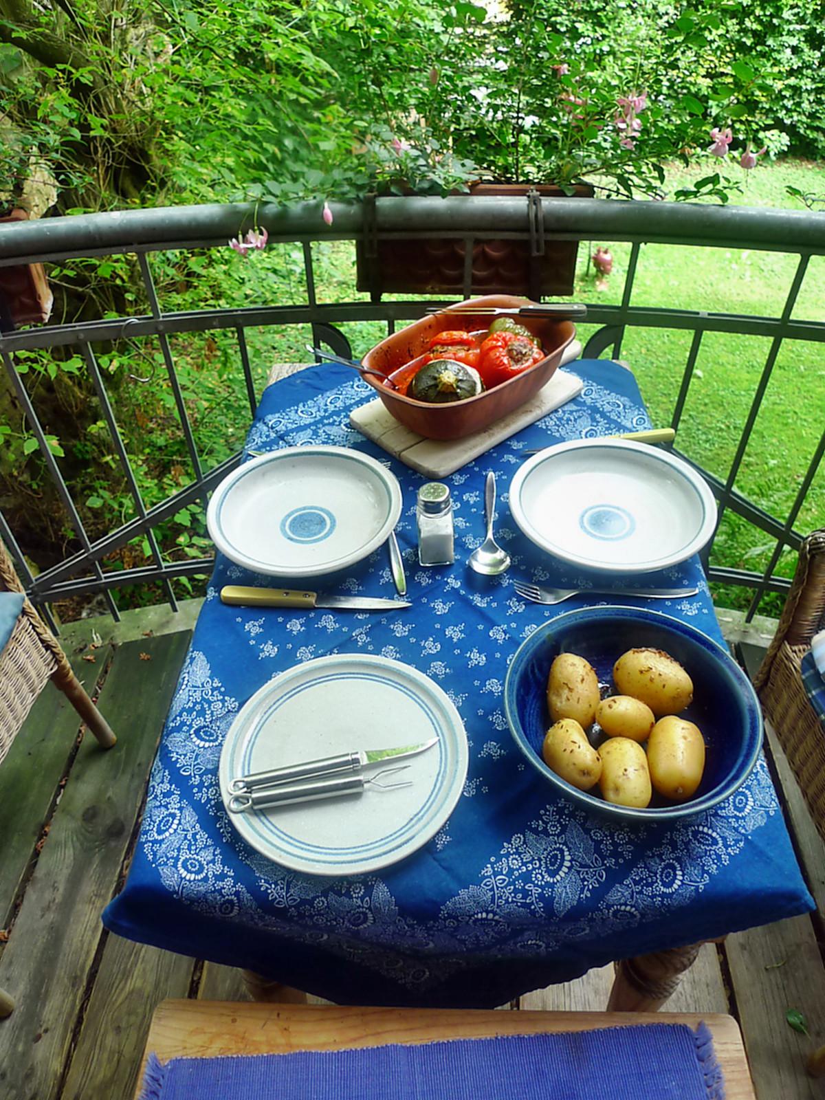 gefüllte Zucchini und Paprika-7.8.14  (18)