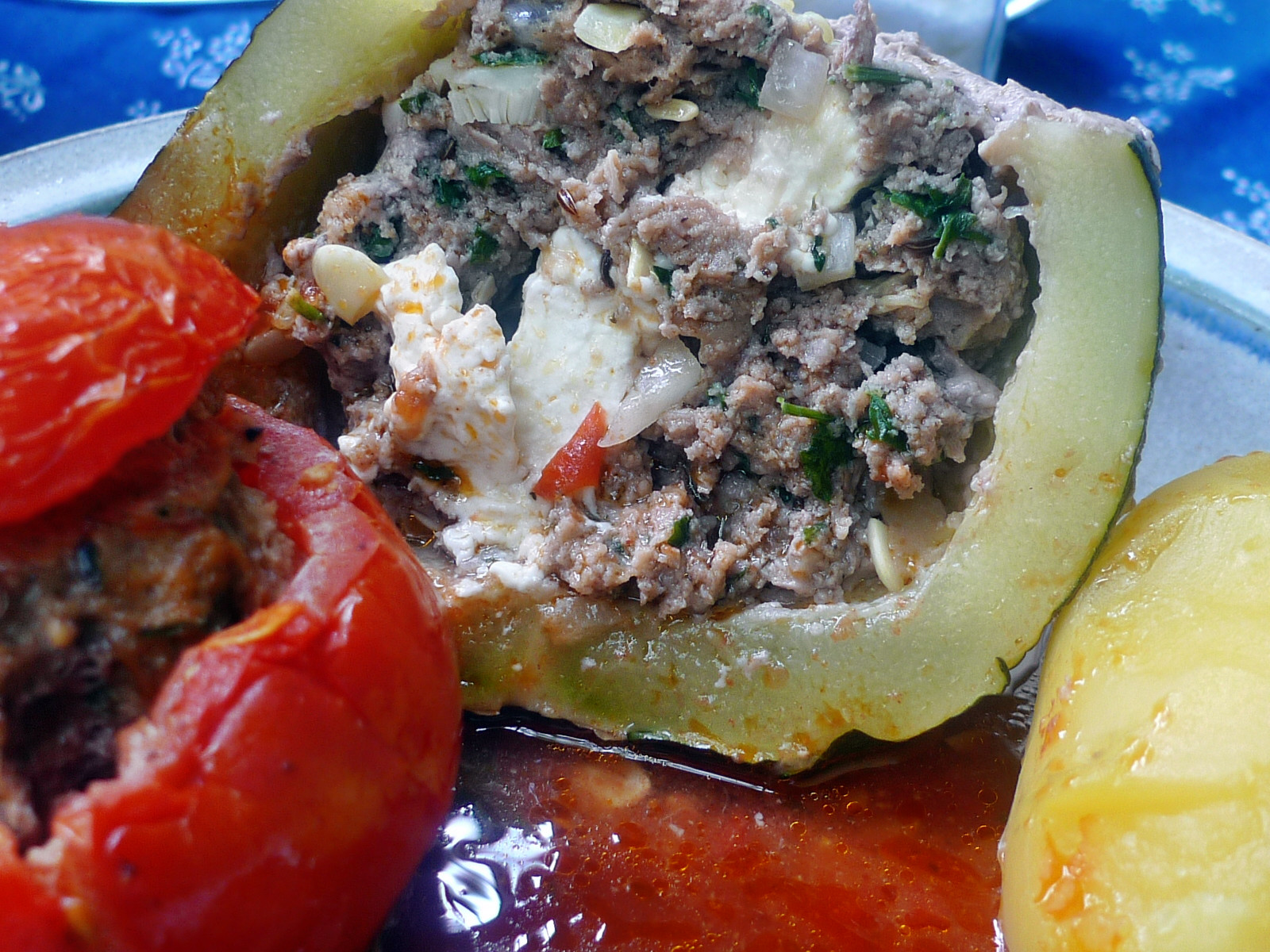 gefüllte Zucchini und Paprika-7.8.14  (21)