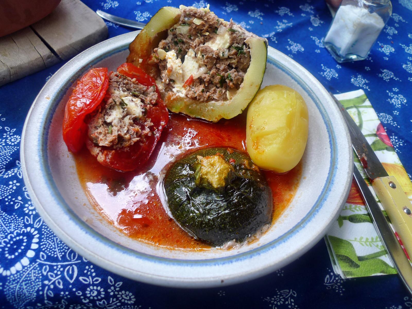 gefüllte Zucchini und Paprika-7.8.14  (23)