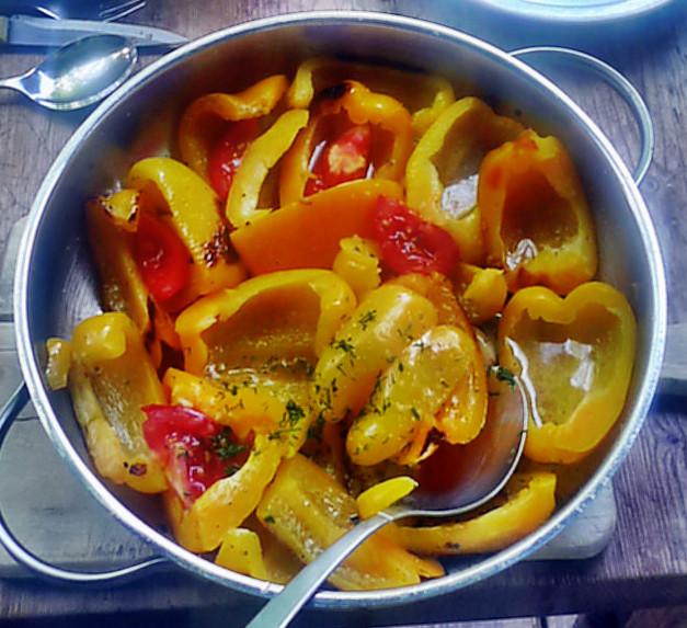 Paprika-Rettichsalat-Gurkensalat-Bratkartoffel-1.8.14   (1d)