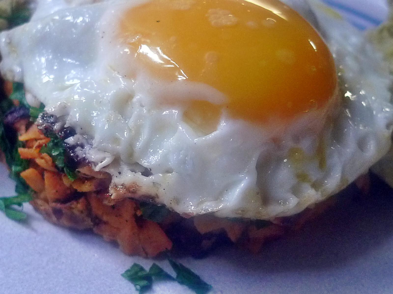 .Süßkartoffel-Guacamole-Spiegelei-18.8.14   (11)