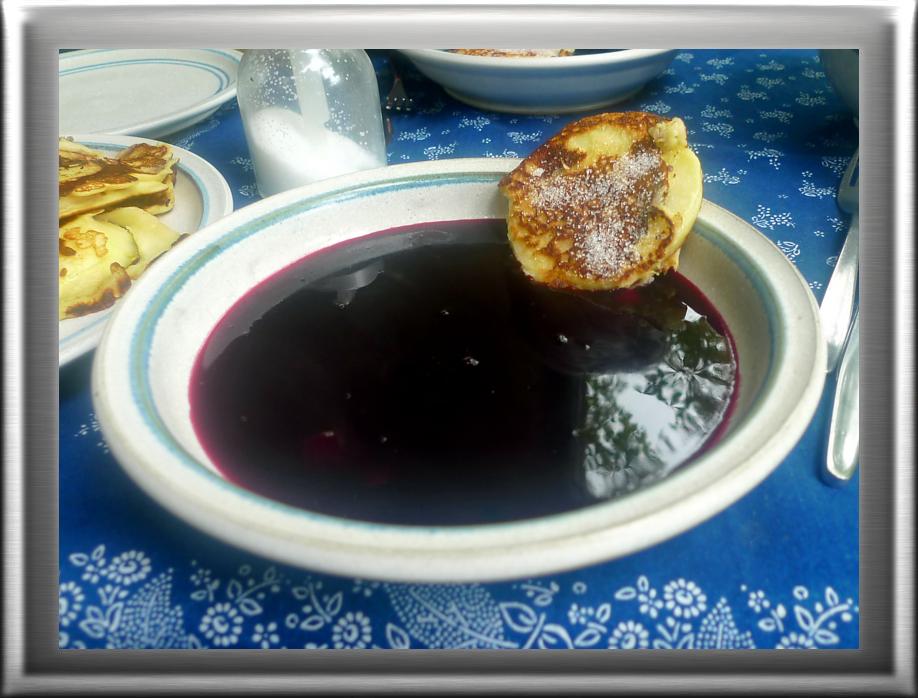 Hollundersuppe,Apfelpfannkuchen - 10.9.14   (1)