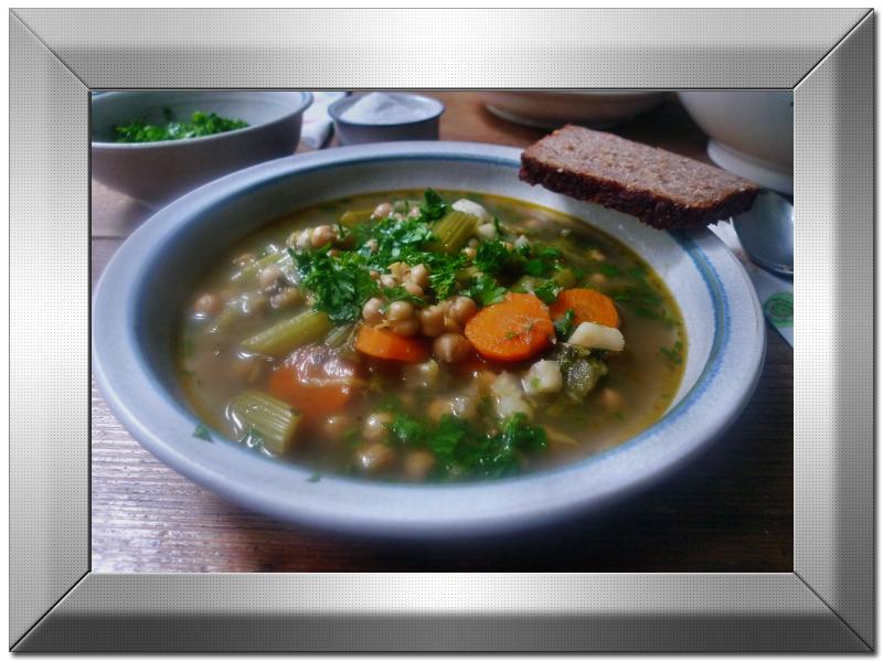 Gemüsesuppe mit Kichererbsen- vegan- 16.10.14   (10)