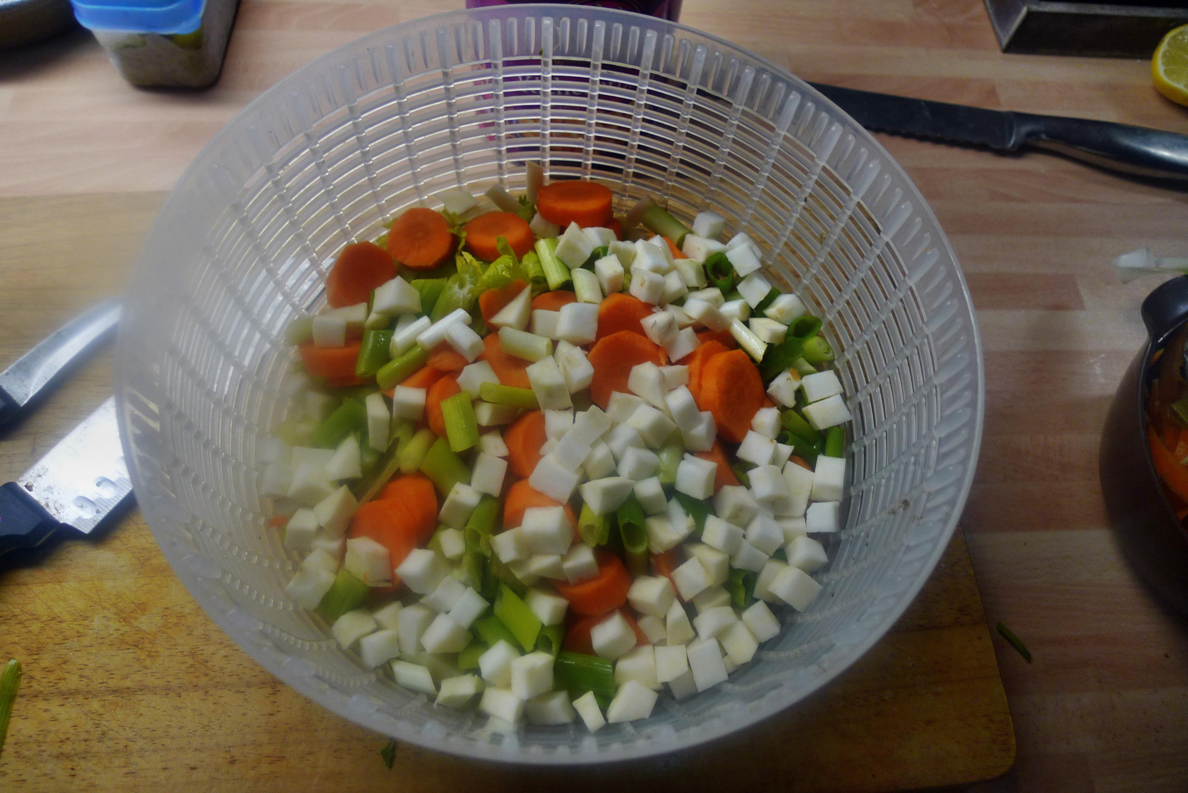 Gemüsesuppe mit Kichererbsen- vegan- 16.10.14   (10a)