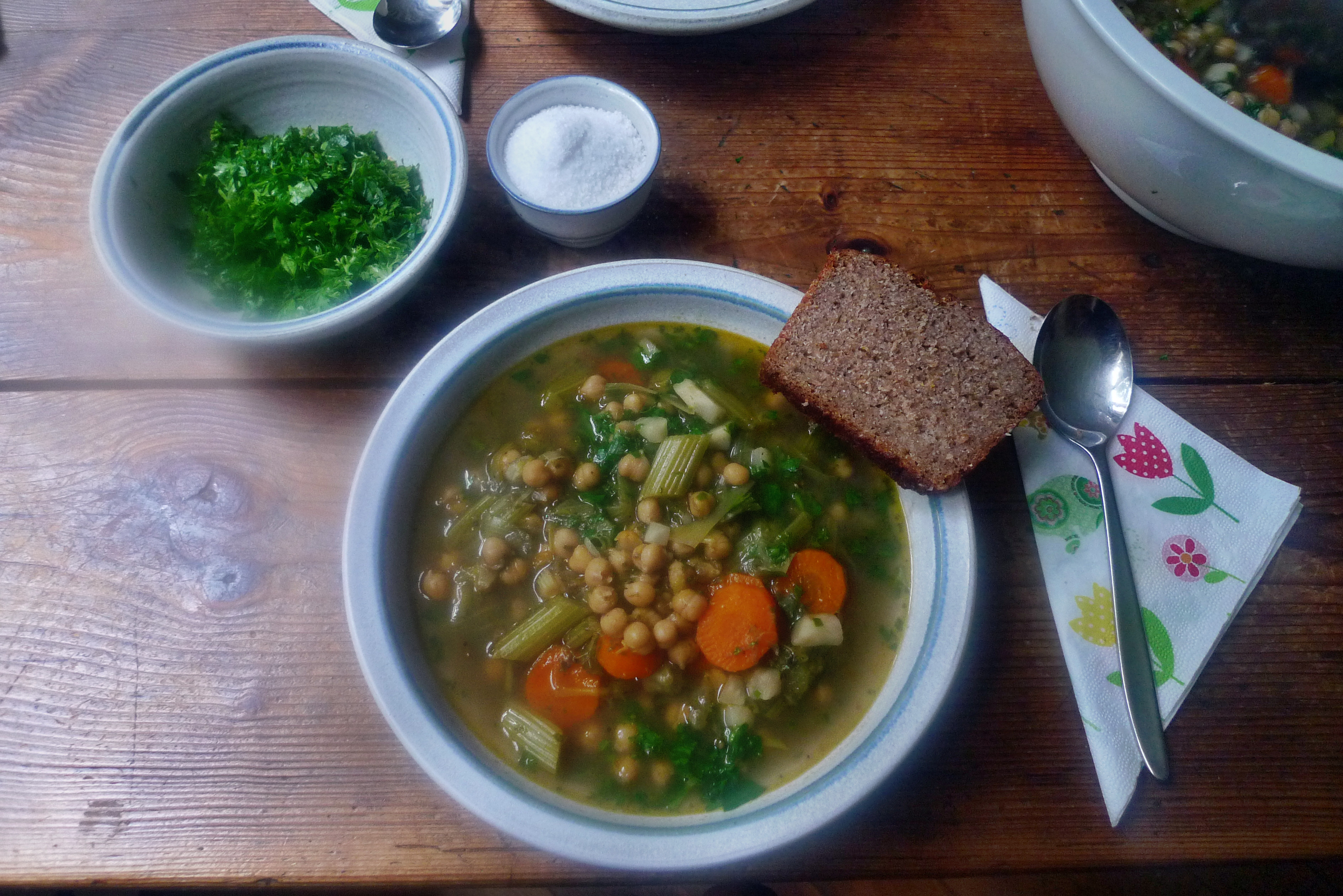 Gemüsesuppe mit Kichererbsen- vegan- 16.10.14   (16)
