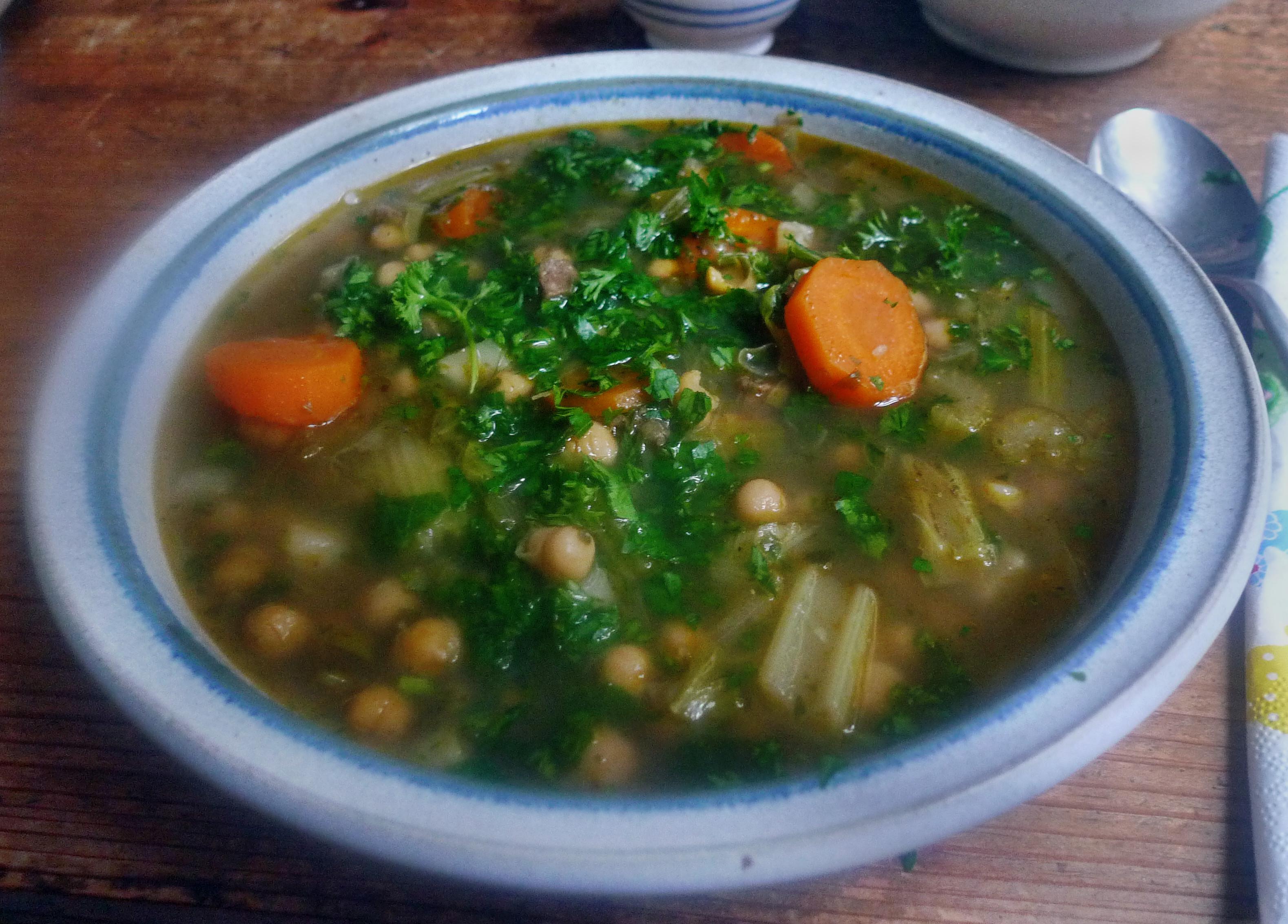 Gemüsesuppe mit Kichererbsen- vegan- 16.10.14   (17a)