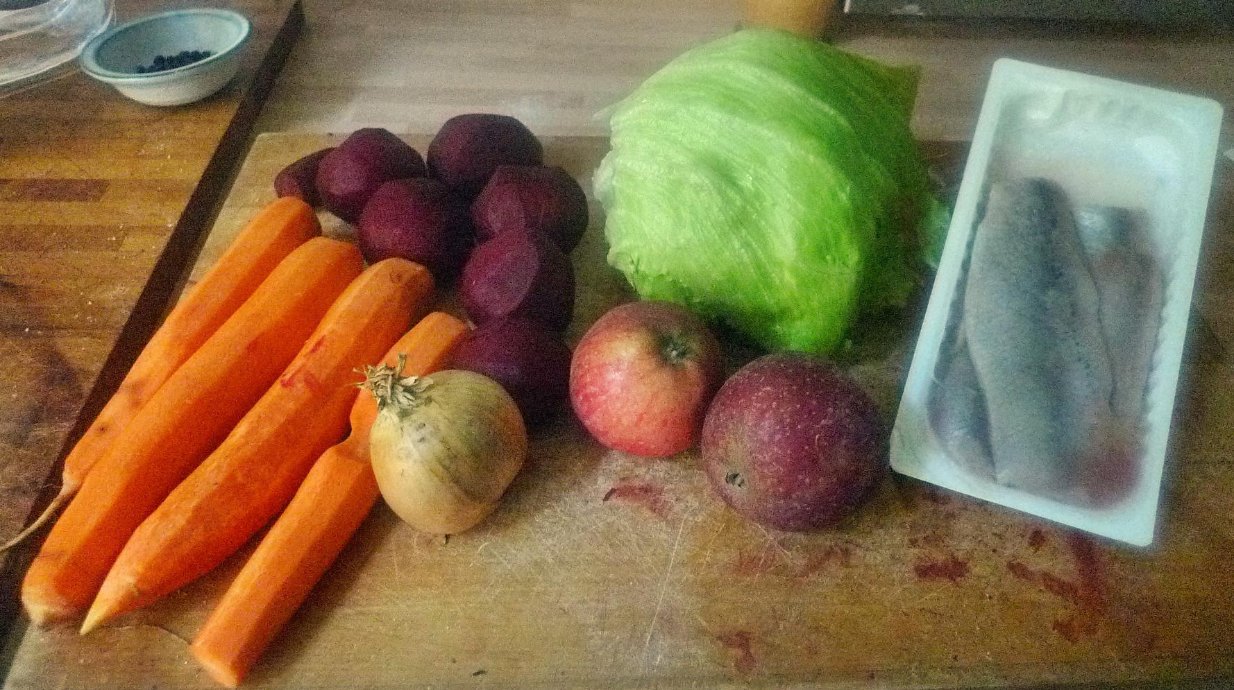 Matjes,Rote Beete,Möhrensalat,Eisberg,Kartoffel - 5.10.14   (3)