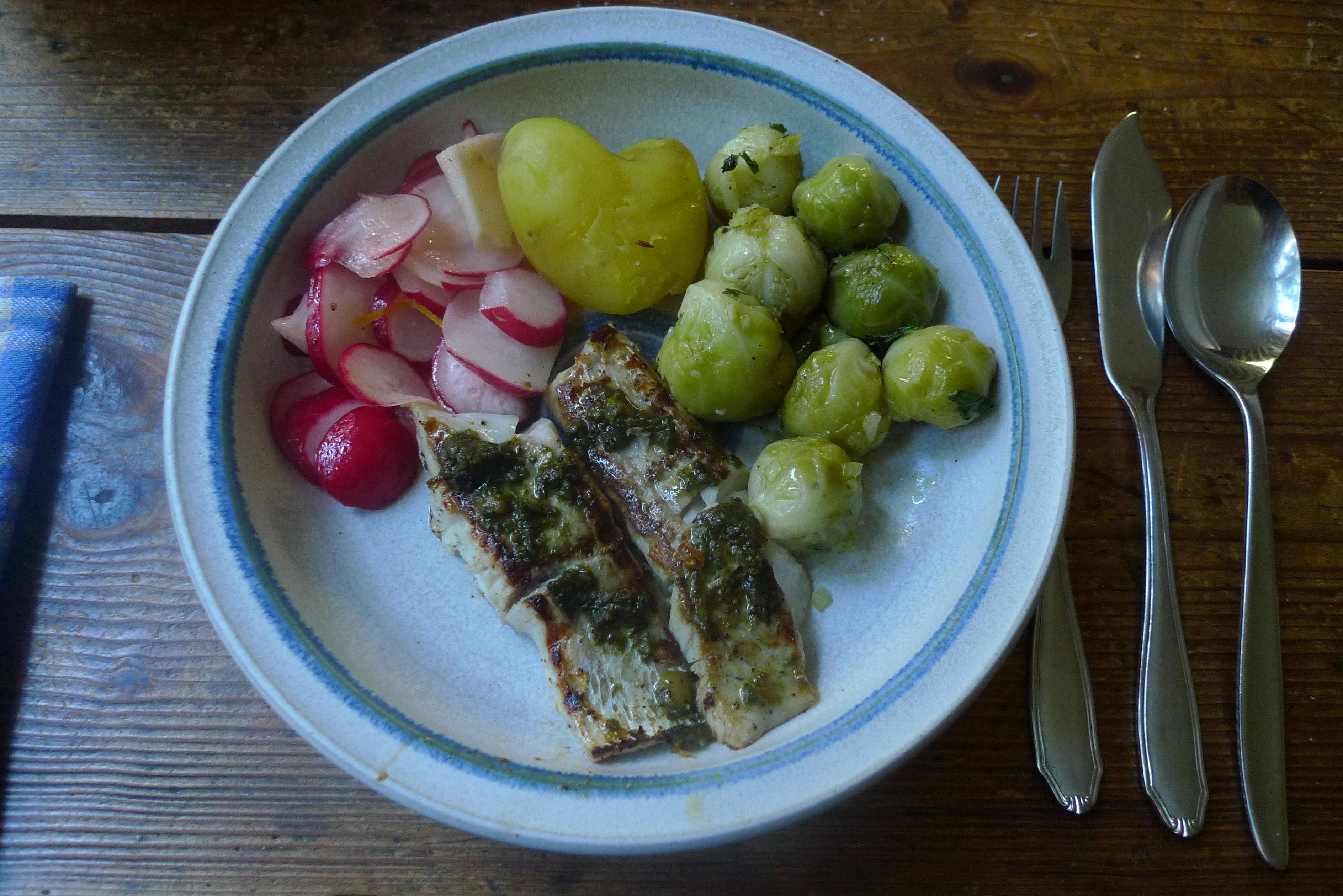 Seelachs,Salate,Kartoffeln -29.10.14   (14)