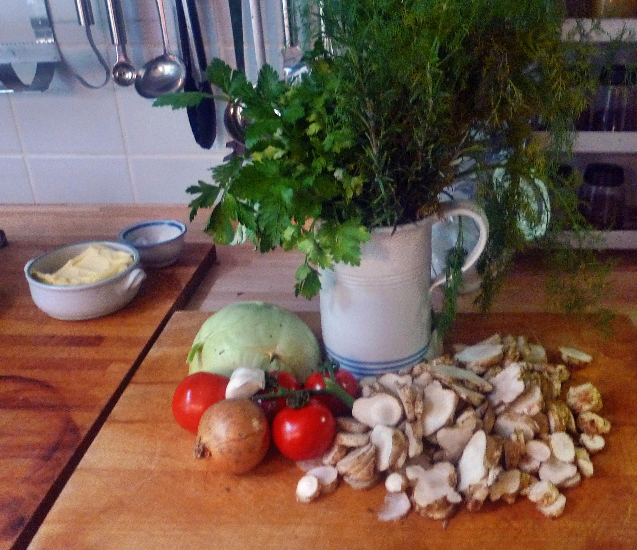 Topinambur-Kohlrabisalat-Gebratene Tomaten-Lachs - 23.10.14   (12)