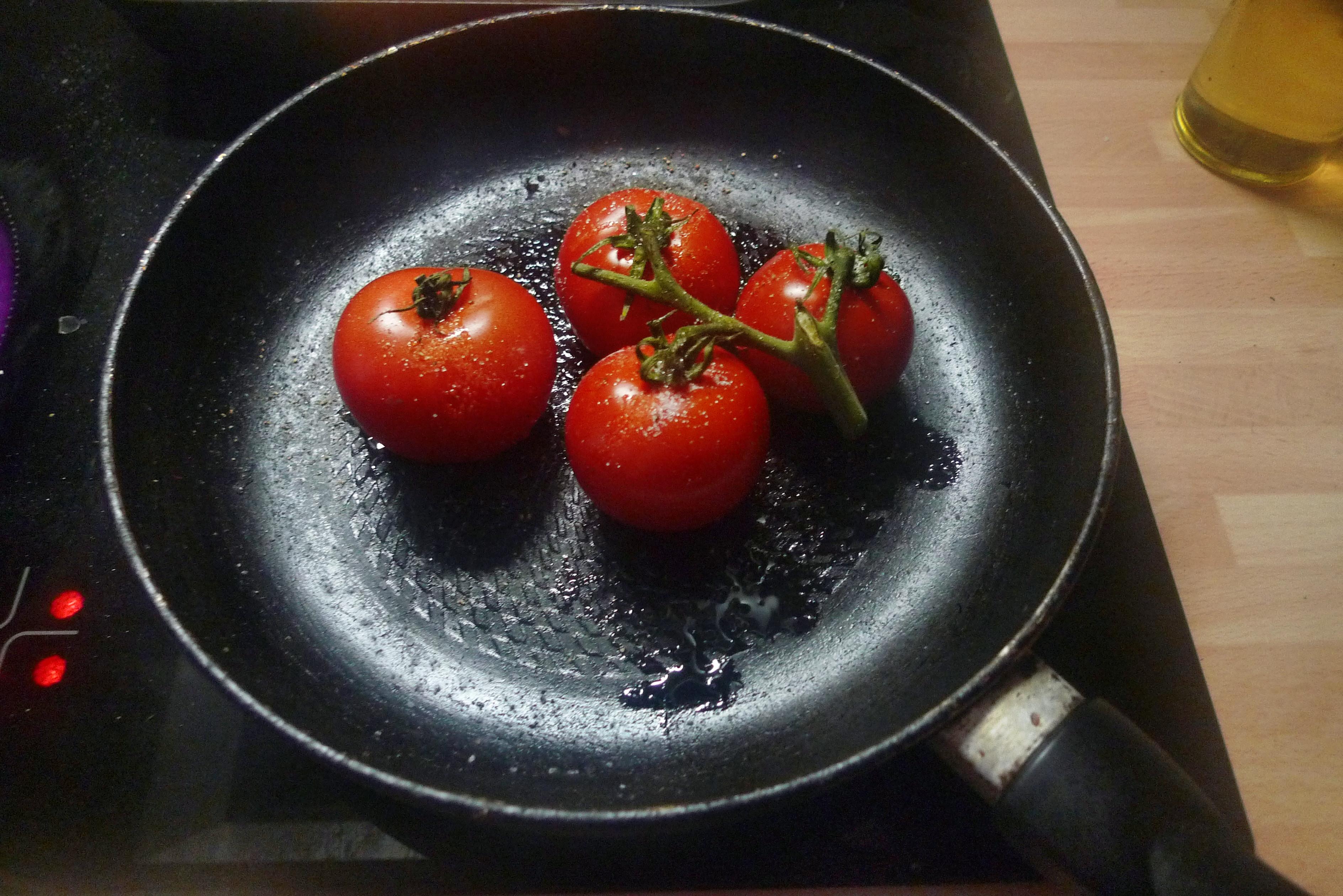 Topinambur-Kohlrabisalat-Gebratene Tomaten-Lachs - 23.10.14   (19)