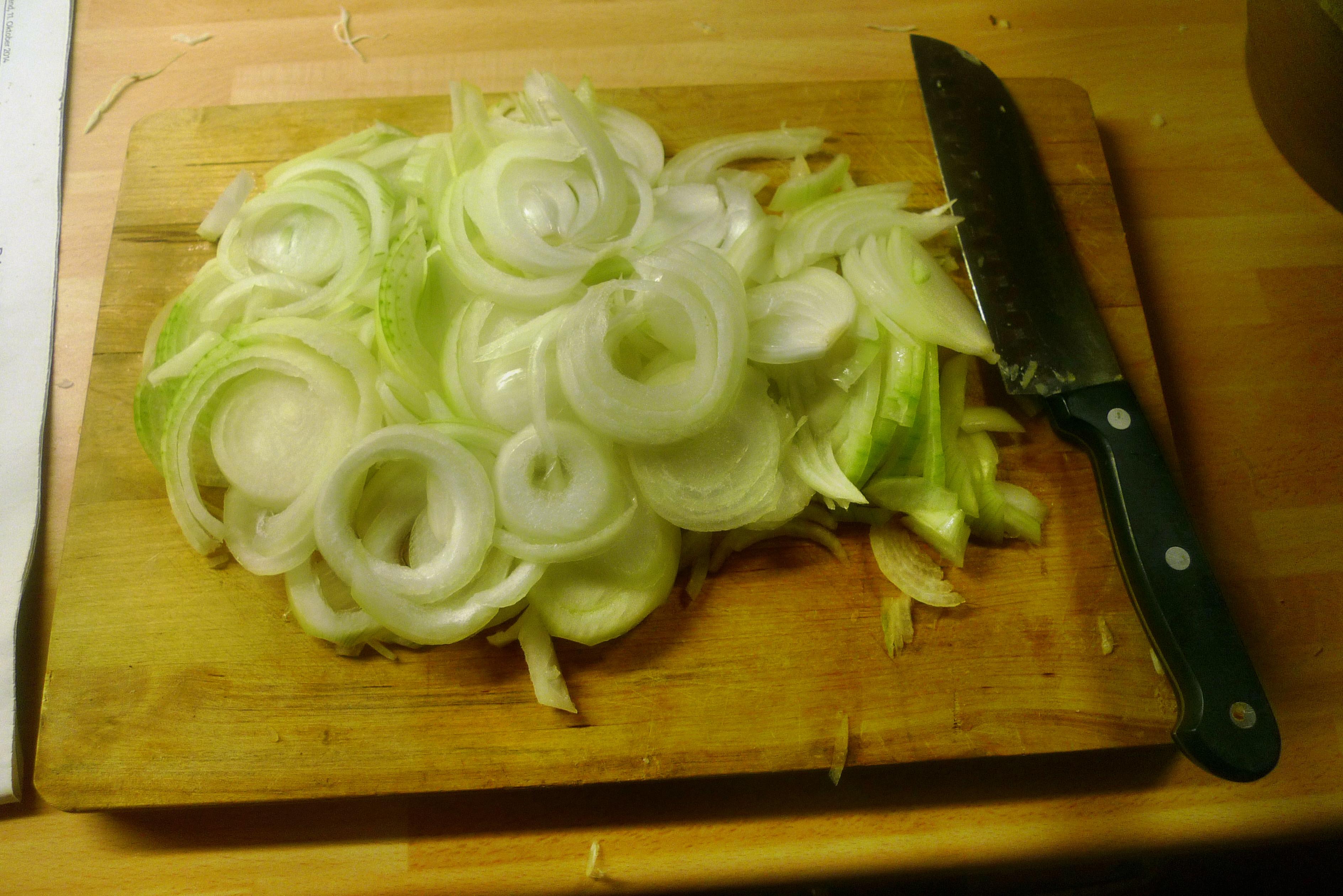 Zwiebelsoße,Kartoffelbrei,Krautsalat,Birnenkompott - 11.10.14   (6)