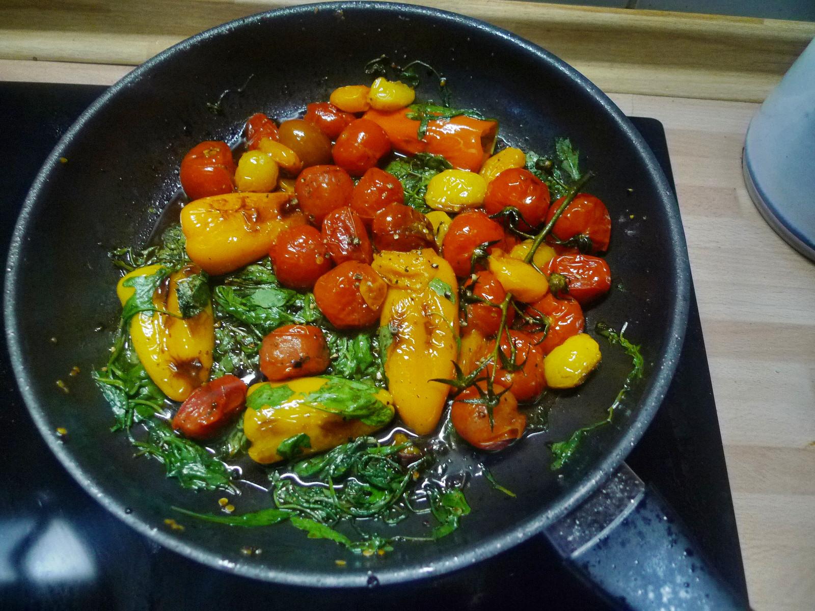 Nudeln mit Olivenpesto und Minigemüse - 21.11.14  (8)
