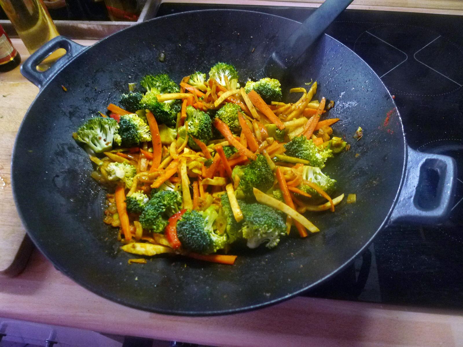 Wokgemüse mit Omlette - 23.11.14   (23)