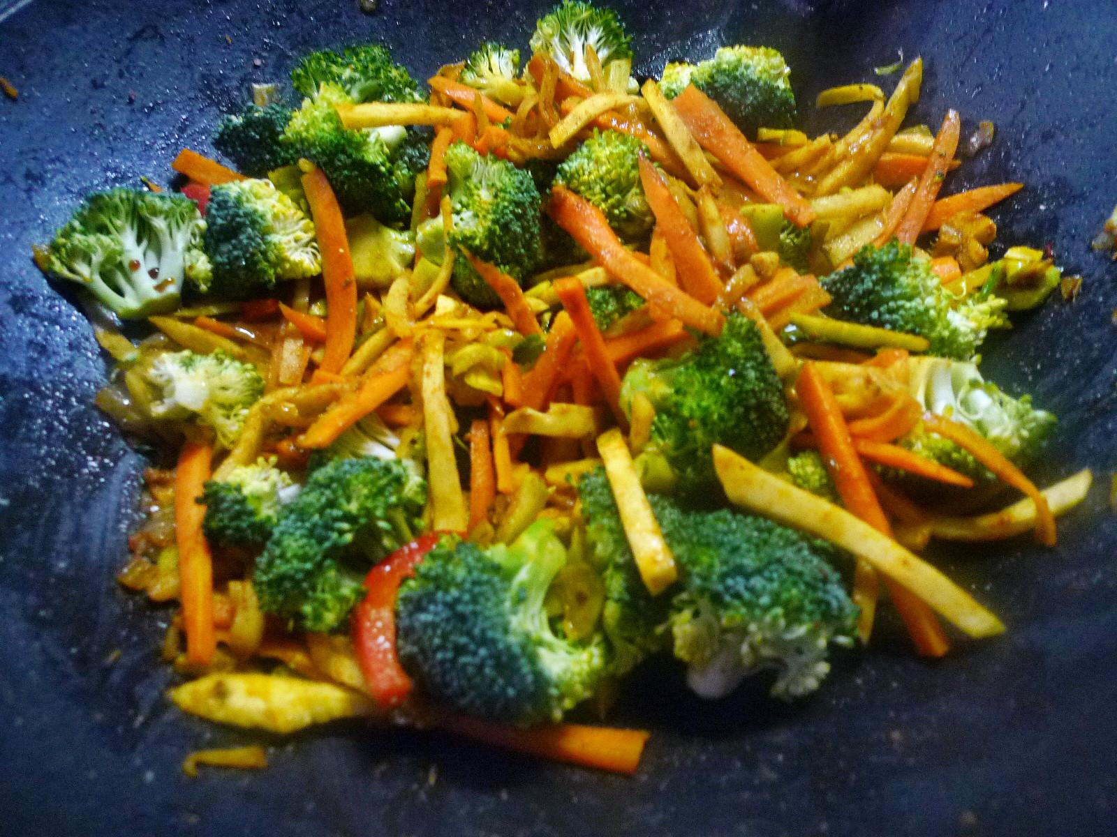 Wokgemüse mit Omlette - 23.11.14   (24)