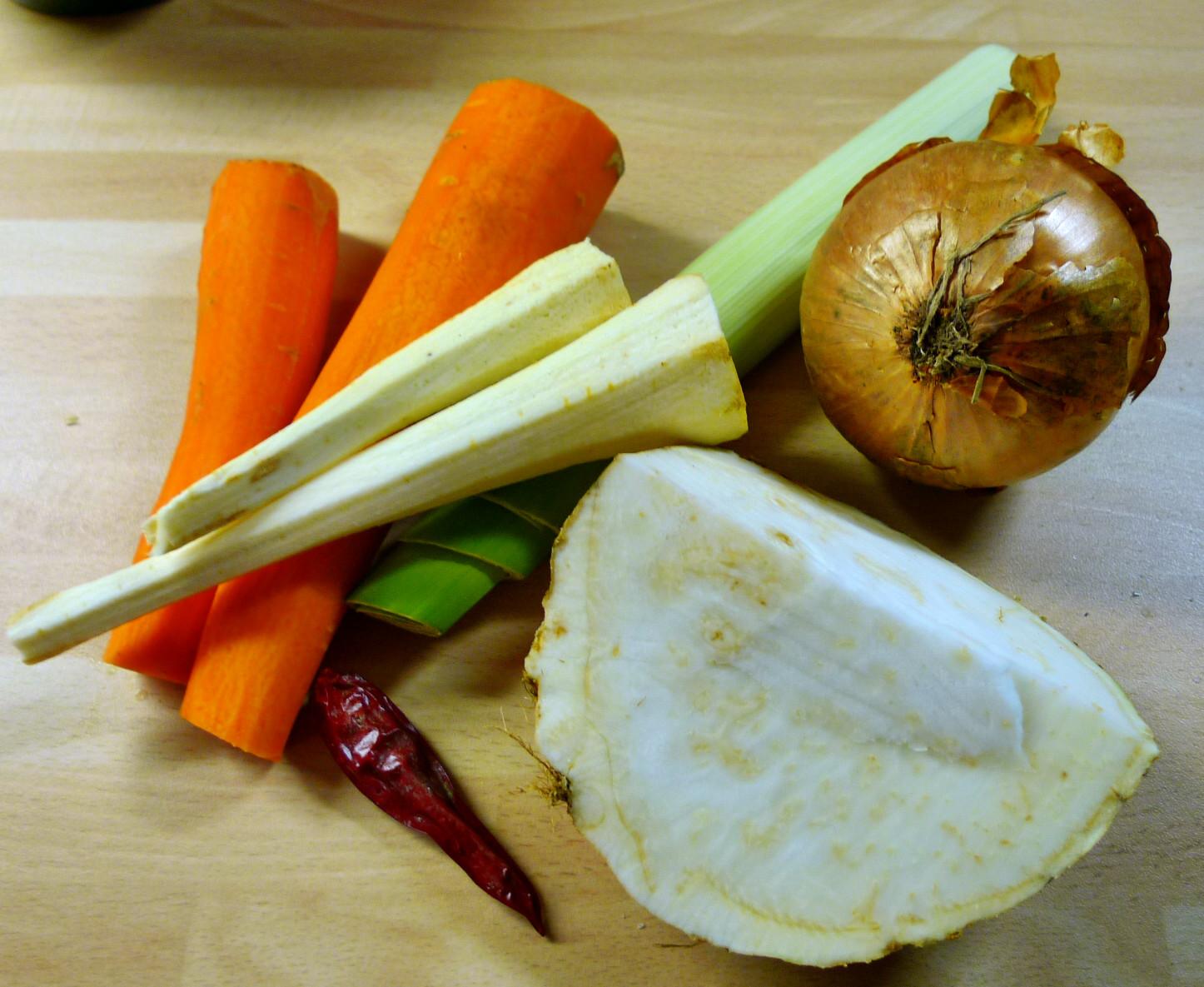 Muscheln,Salate,Weißbrot-12.12.14 (2)