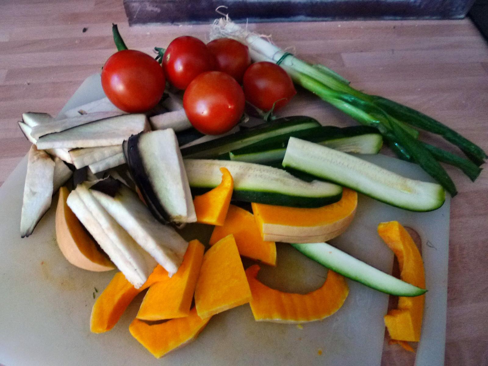 Nudeln mit Bärlauchpesto,Gemüse-4.12.14   (1a)