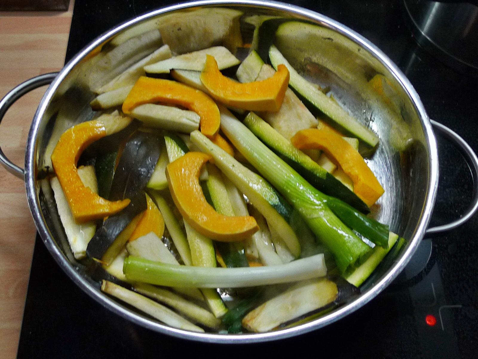 Nudeln mit Bärlauchpesto,Gemüse-4.12.14   (3)