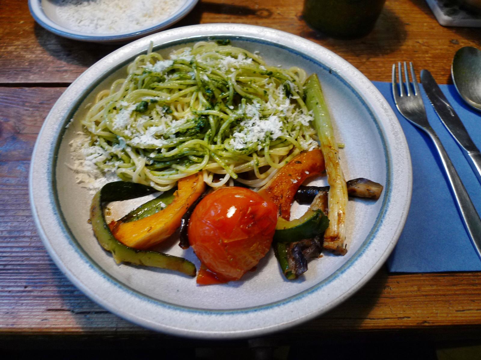 Nudeln mit Bärlauchpesto,Gemüse-4.12.14   (8)