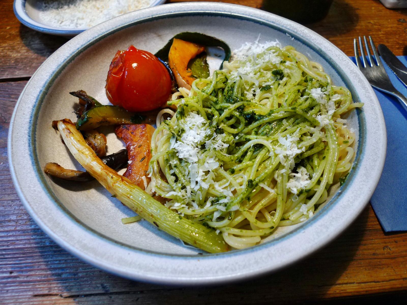 Nudeln mit Bärlauchpesto,Gemüse-4.12.14   (8a)