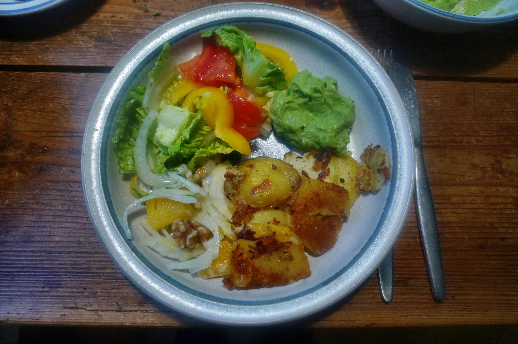 Guacamole,Fenchelsalat,Salat,Bratkartoffel--22.1.15   (1)