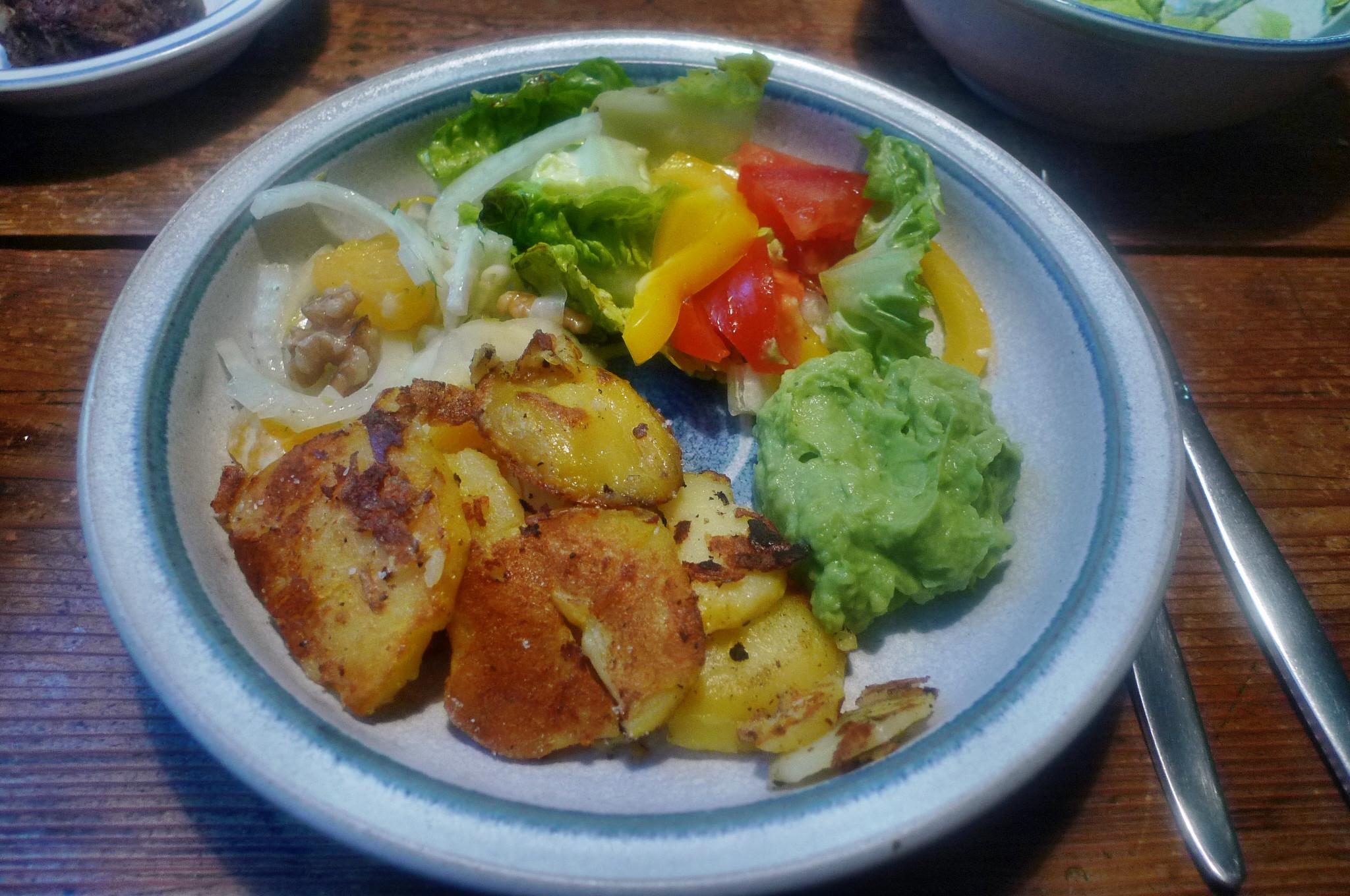 Guacamole,Fenchelsalat,Salat,Bratkartoffel--22.1.15   (12)