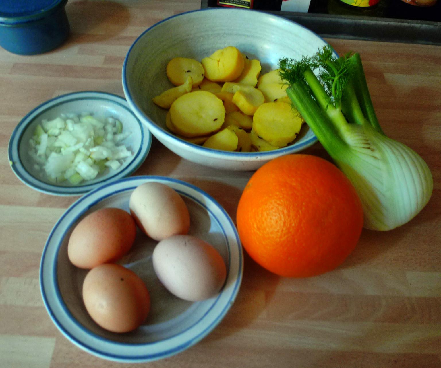 Bratkartoffel,Spiegelei,Fenchelsalat - 24.2.15   (2)