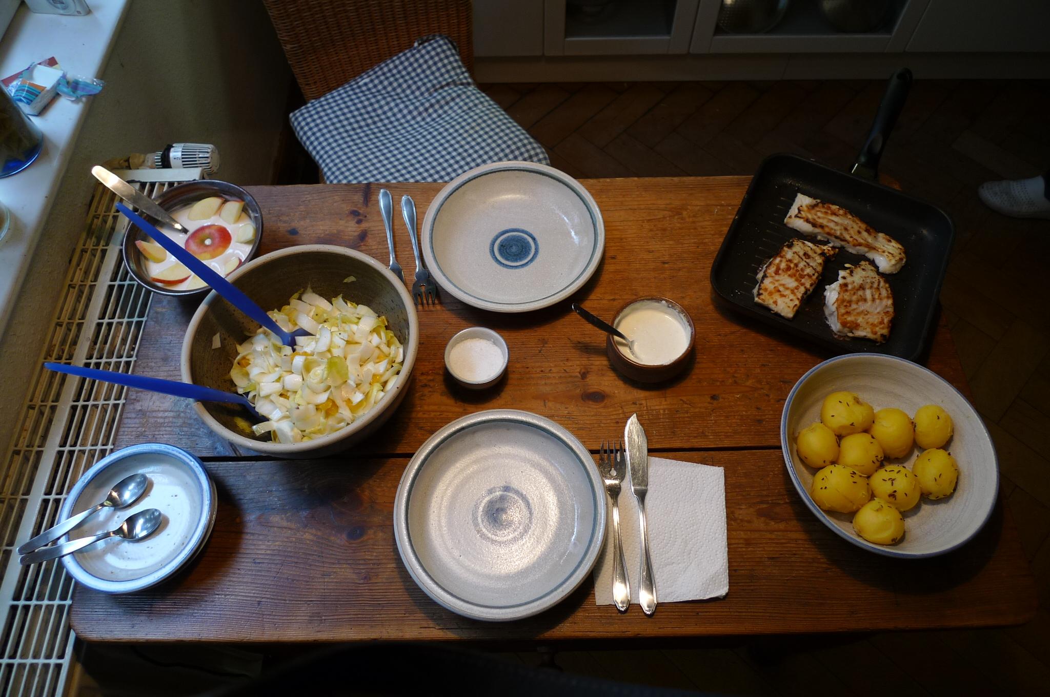 Kabeljau,Chicoreesalat,Kartoffeln,Quarkspeise - 17.2.15   (10)
