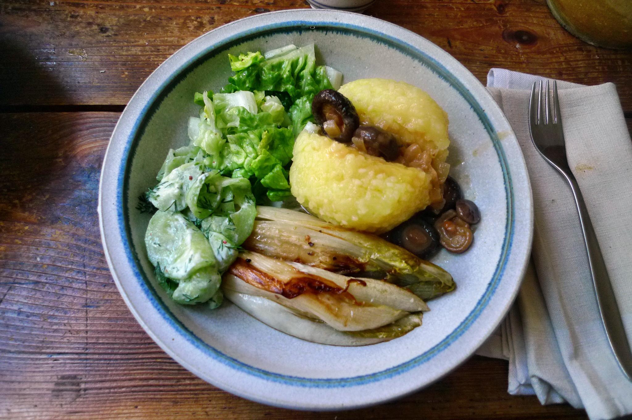 Klöße,Pilzsauce,Salate-8.2.15   (17)