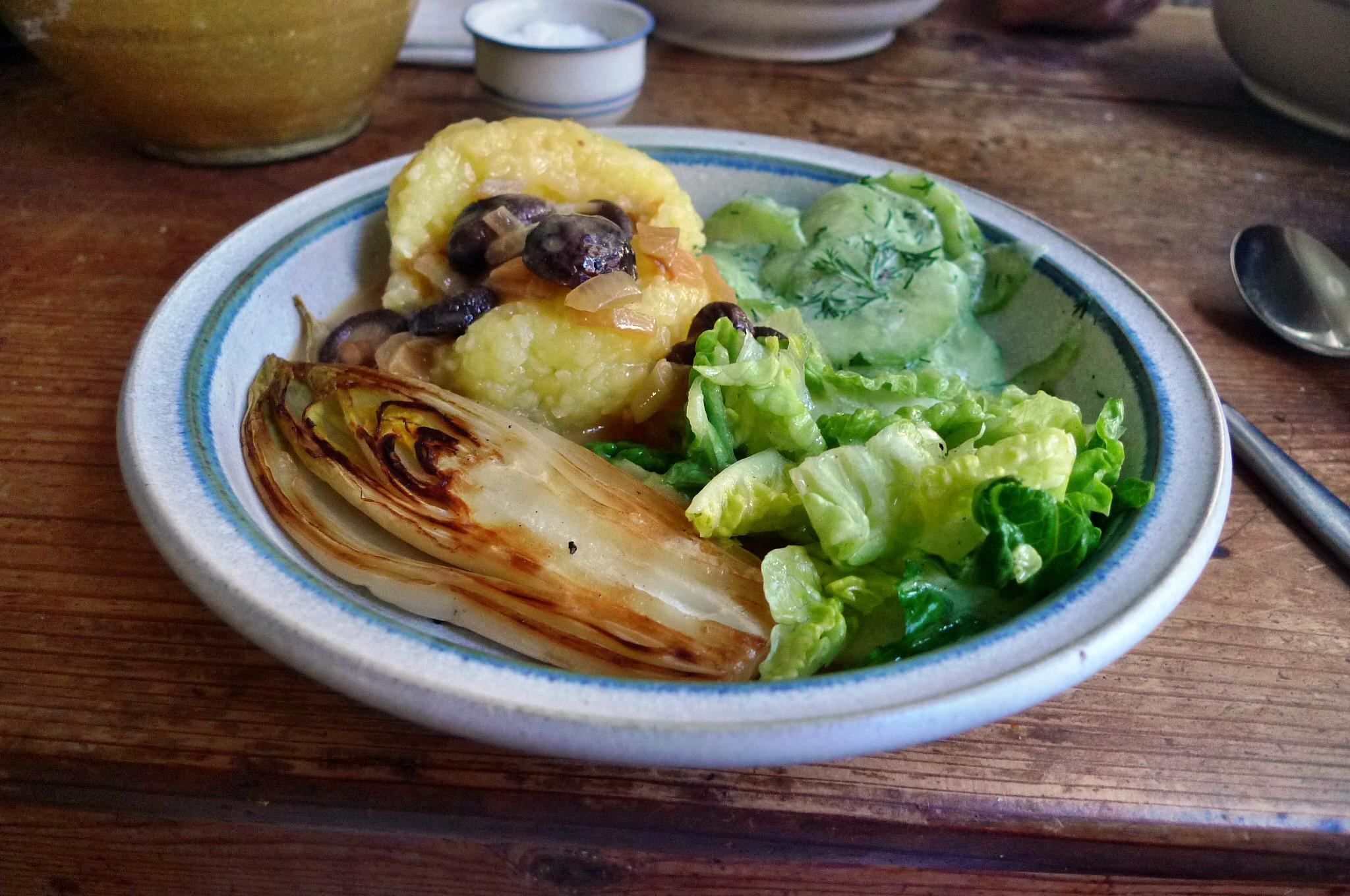 Klöße,Pilzsauce,Salate-8.2.15   (19)