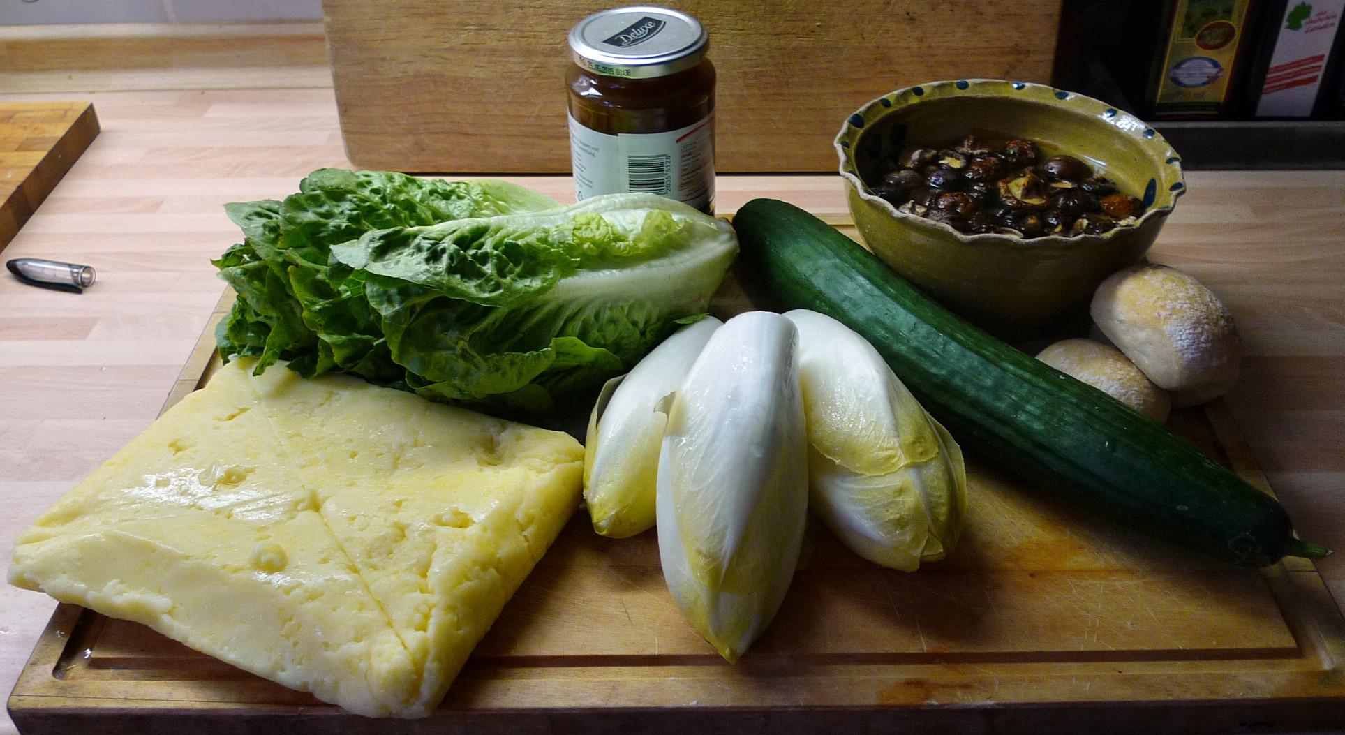 Klöße,Pilzsauce,Salate-8.2.15   (3)