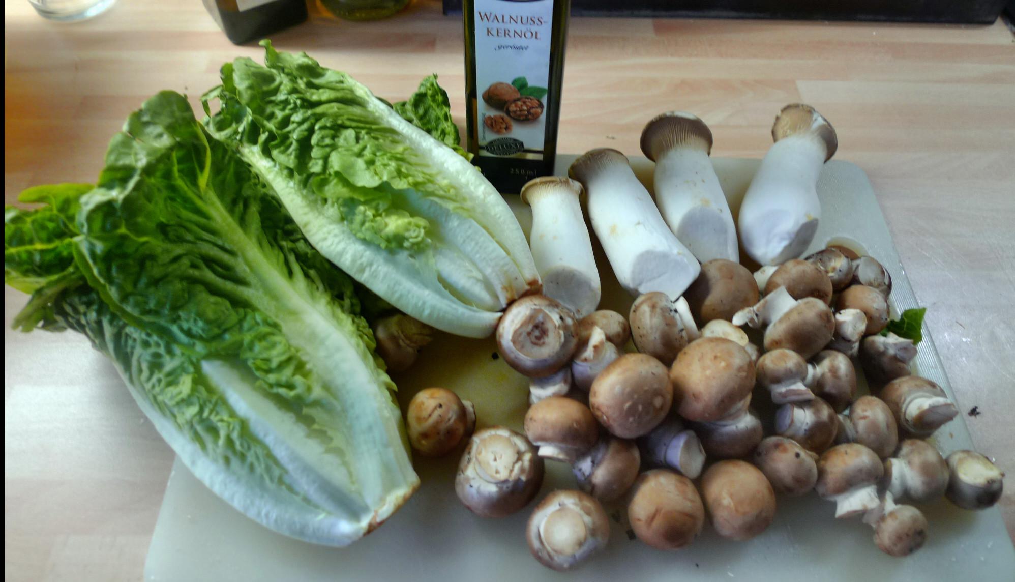 Roh gebratene Kartoffeln,Kräutersaitlinge,Champignon,Römersalat - 26.2.15   (1a)