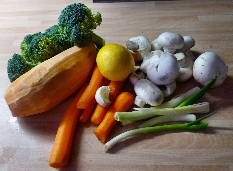Gemüsesuppe mit Cräcker-6.3.15   (1)