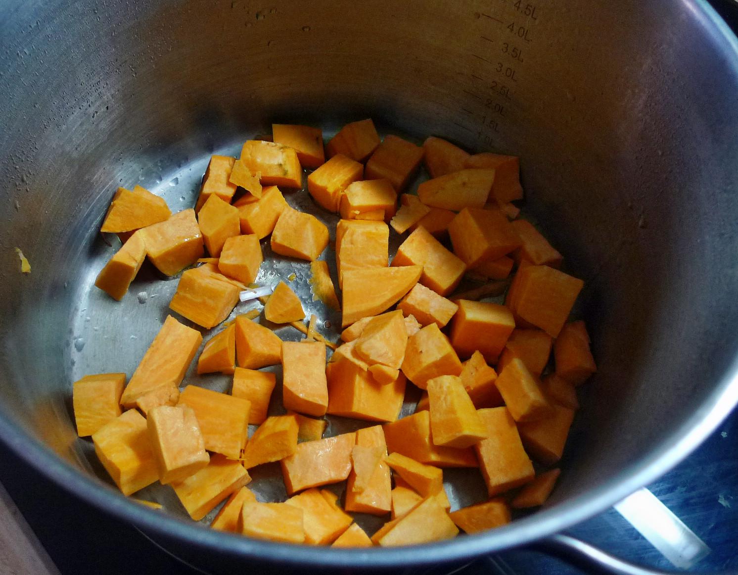 Gemüsesuppe mit Cräcker-6.3.15   (3)