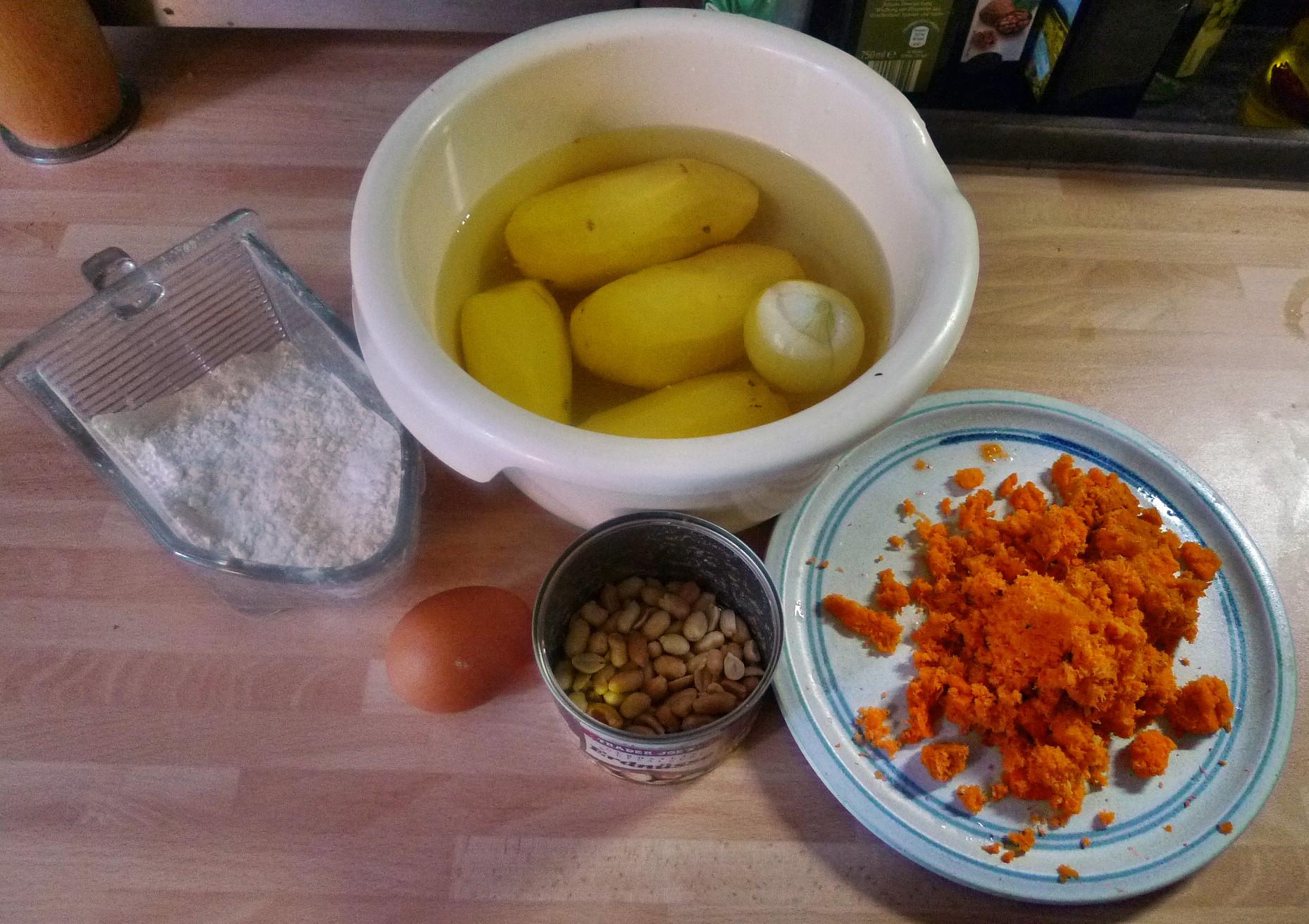 Kartoffel-Möhrenpuffer,Brokkoli - 15.3.15   (1a)