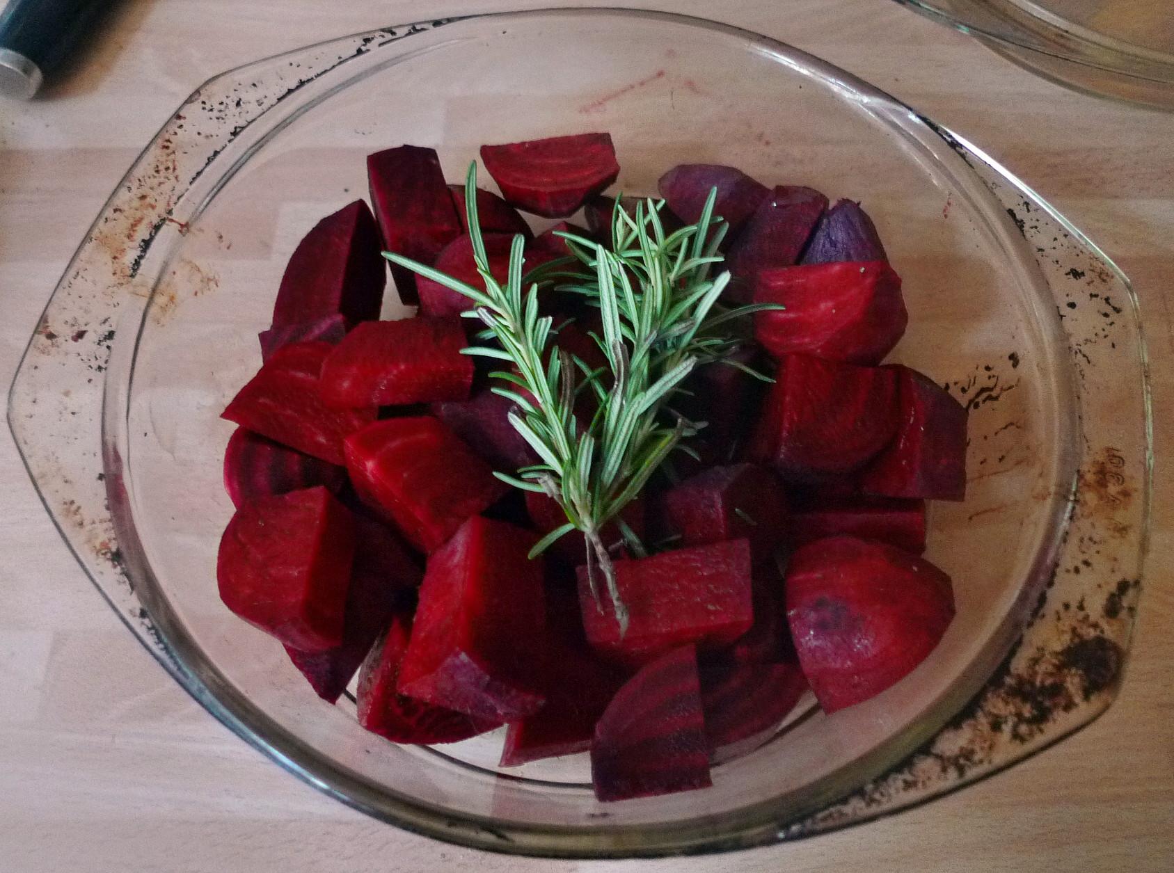 Rote betegemüse,gebratener Reis,Joghurtdip,Kohlrabisalat - 27.3.15   (3)