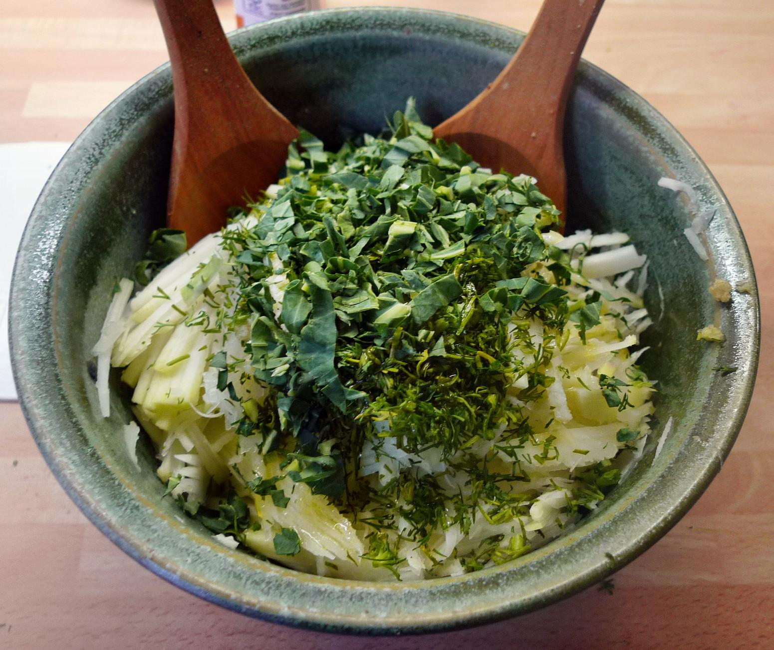 Rote betegemüse,gebratener Reis,Joghurtdip,Kohlrabisalat - 27.3.15   (7)