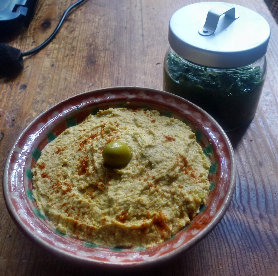 Bärlauchpesto und Hummus - ..15   (4)