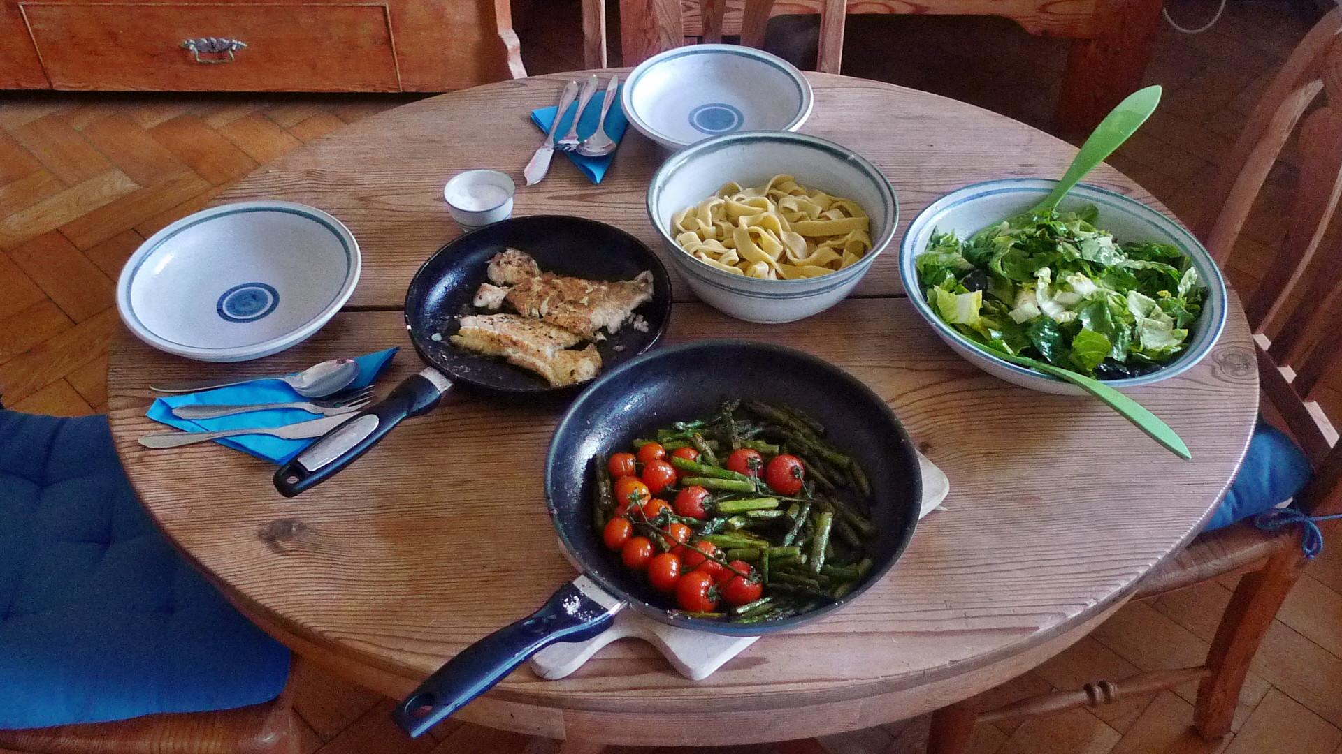Kabeljau,Spargel,Nudeln,Salat, 16.4.15   (21)