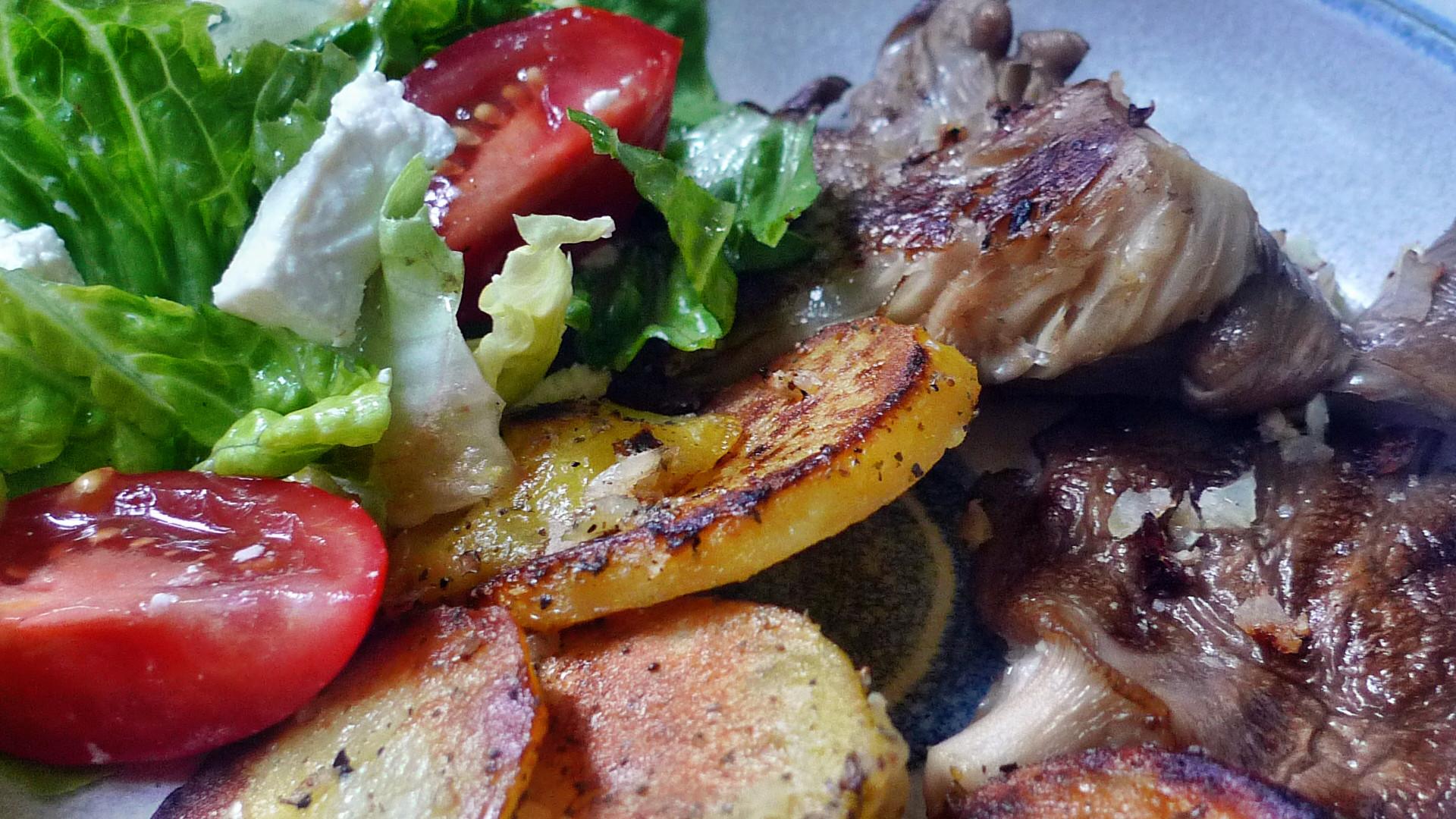 Shitakepilze, Bratkartoffel,Salat -28.4 (10)