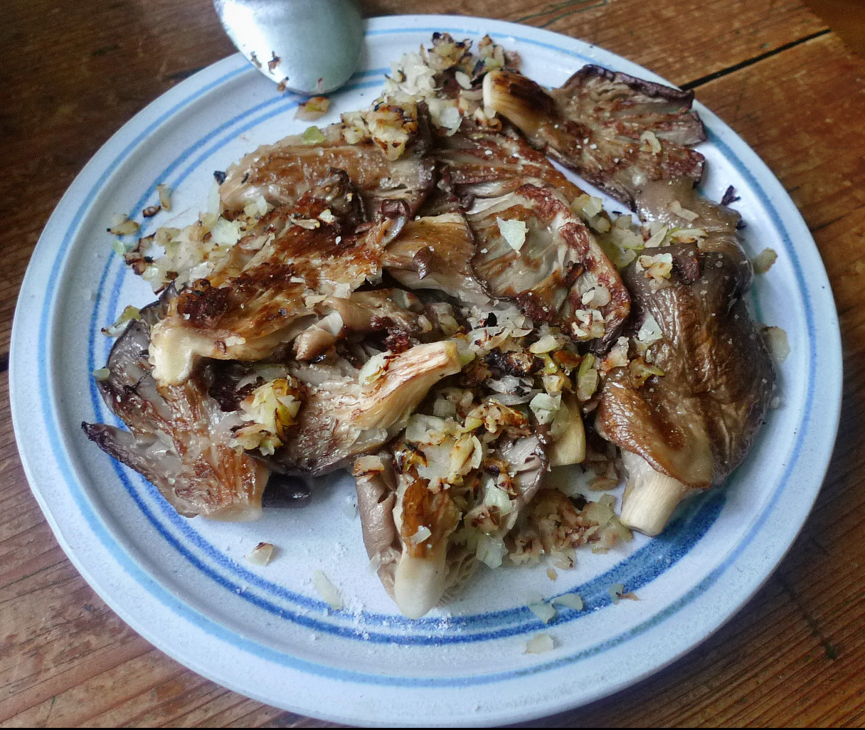 Shitakepilze, Bratkartoffel,Salat -28.4 (7)