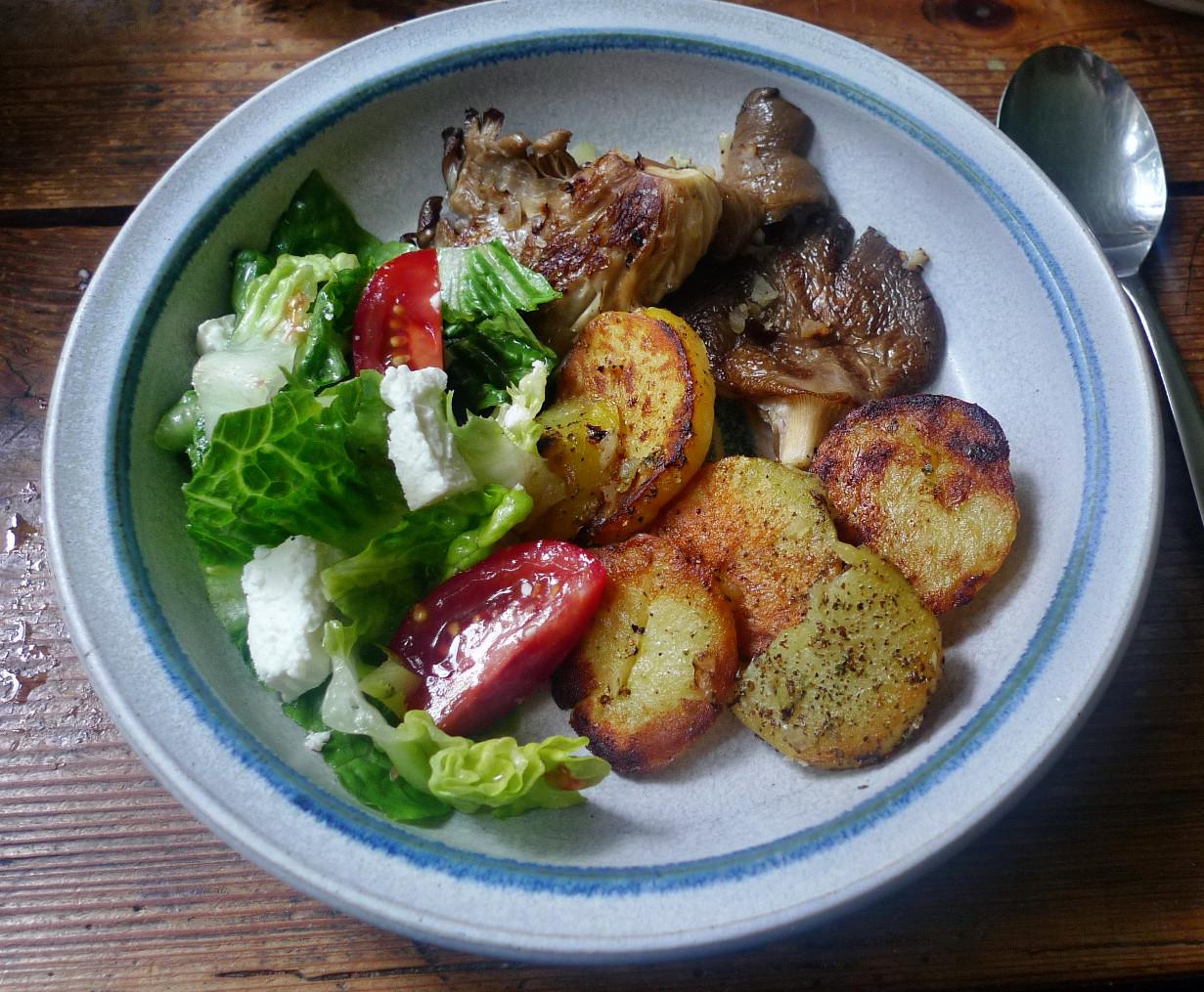 Shitakepilze, Bratkartoffel,Salat -28.4 (8)