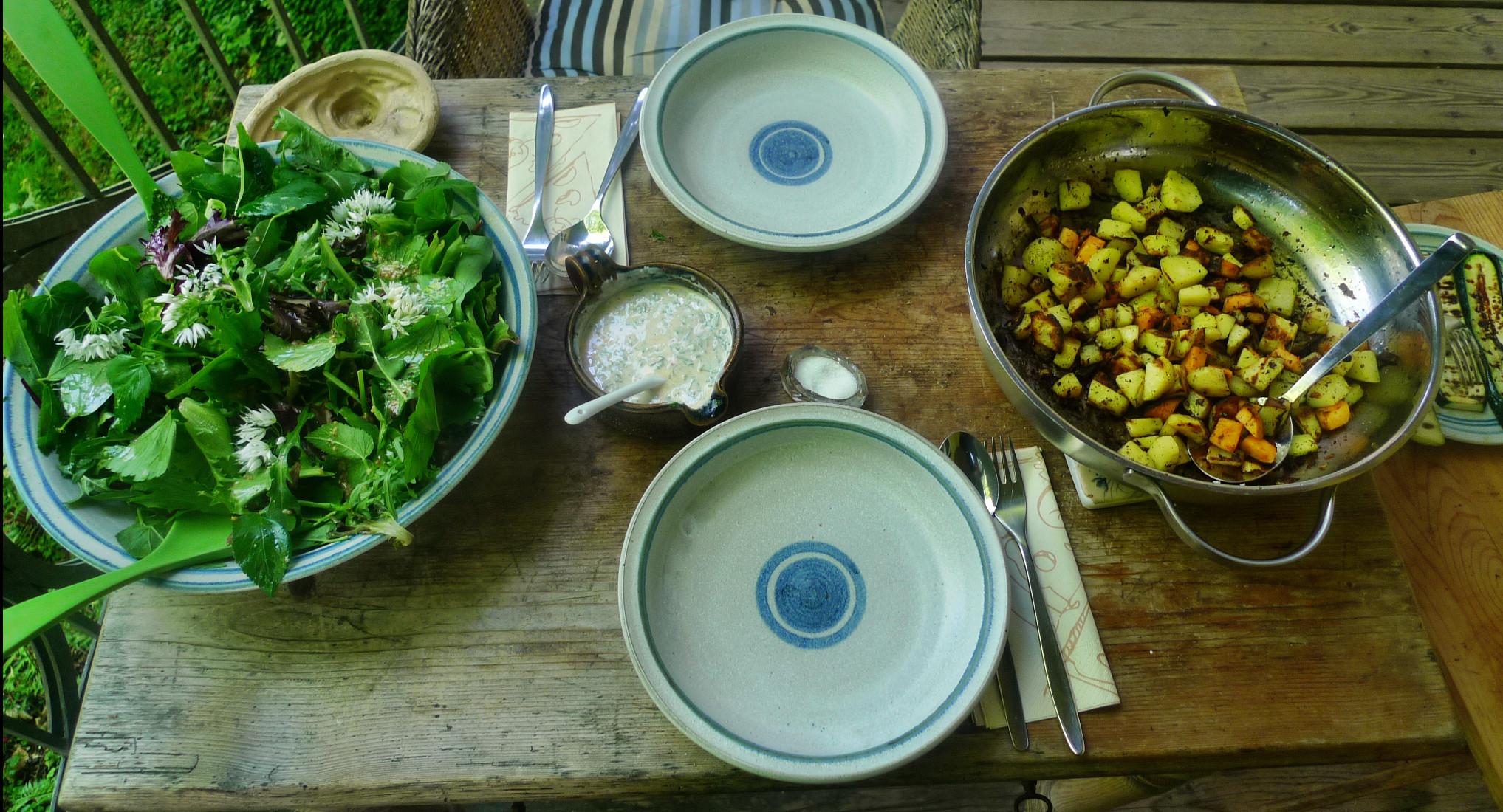 Bratkartoffel,Salat,Spiegelei,Dip,Zucchini - 13.5.15   (13)
