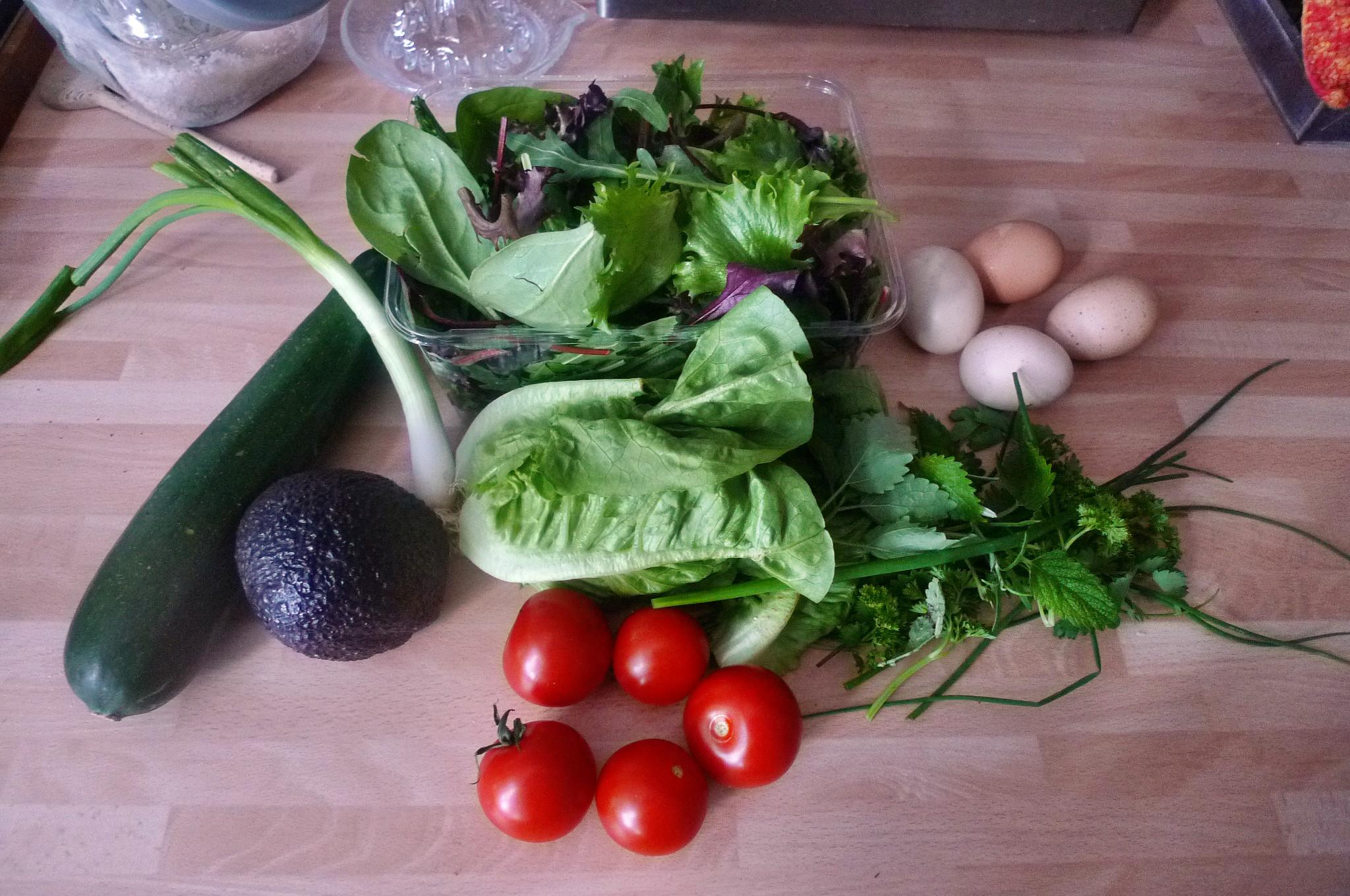 Bratkartoffel,Salat,Spiegelei,Dip,Zucchini - 13.5.15   (2)