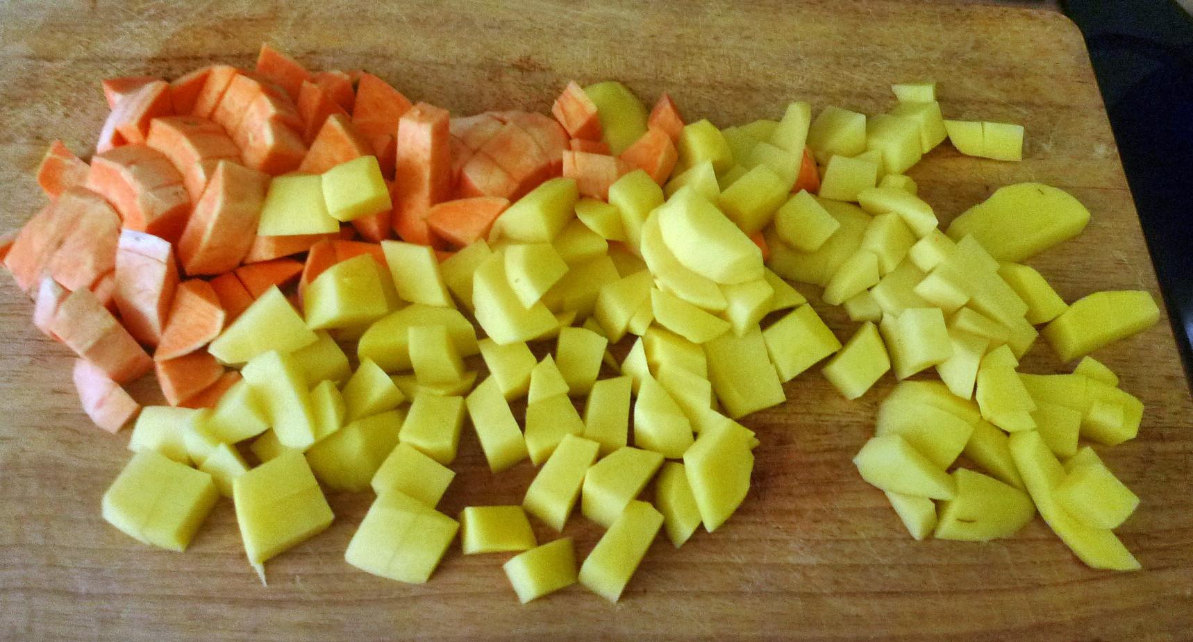 Bratkartoffel,Salat,Spiegelei,Dip,Zucchini - 13.5.15   (5)