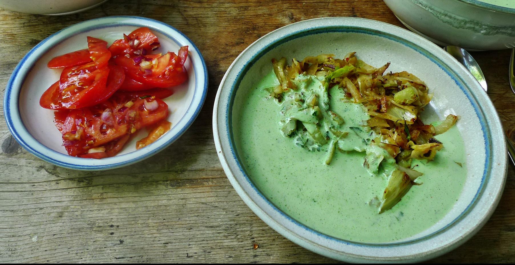 Kalte Kräutersuppe,gebratener Fenchel,Tomatensalat - 4.5.15   (13)